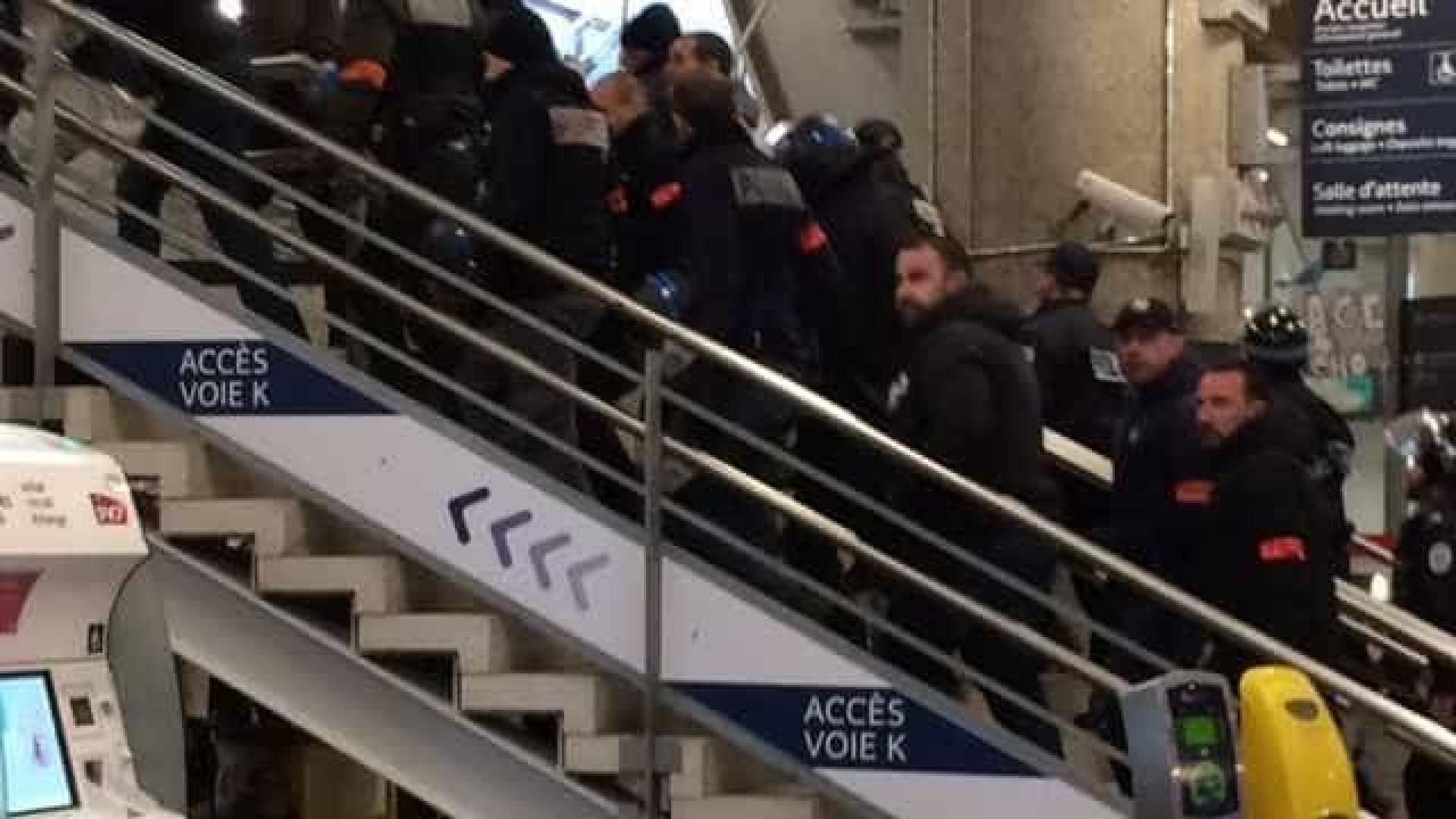 Confusão em trem faz França evacuar 200 passageiros