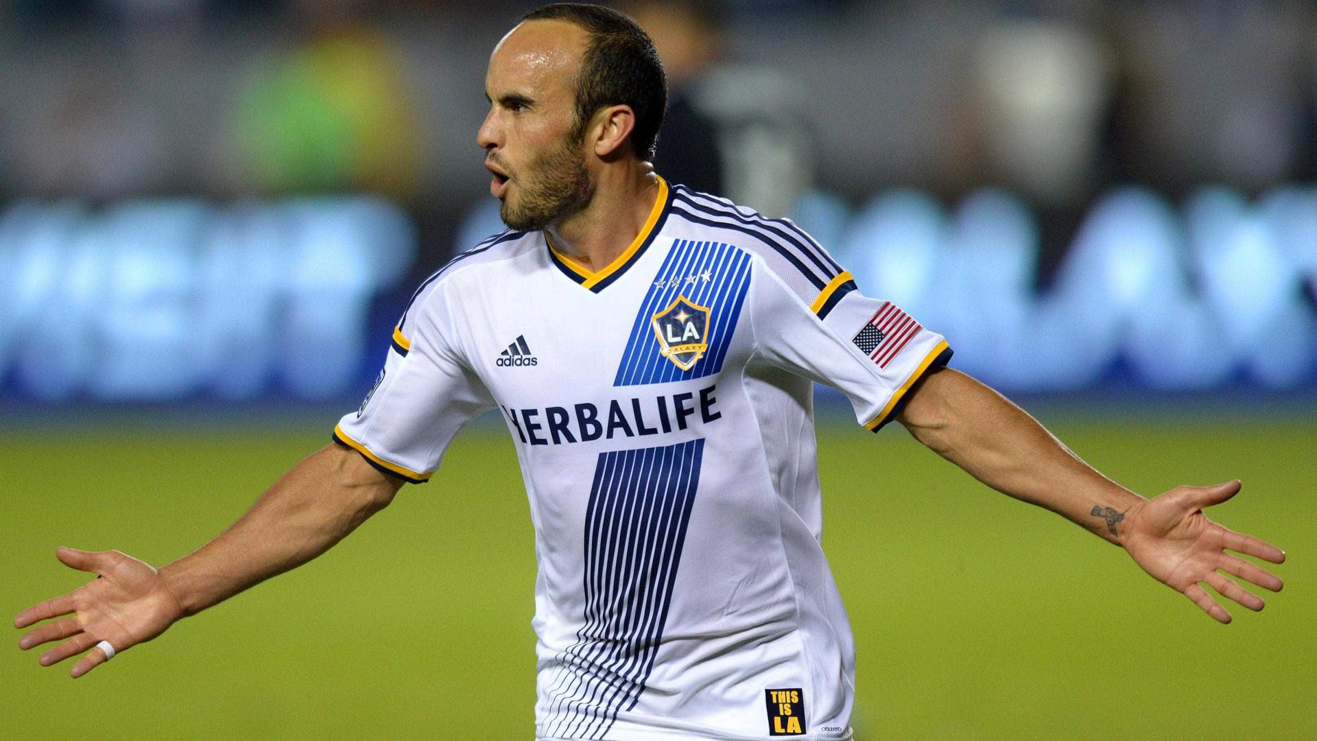 Norte-americano Donovan deixa aposentadoria e vai jogar no México