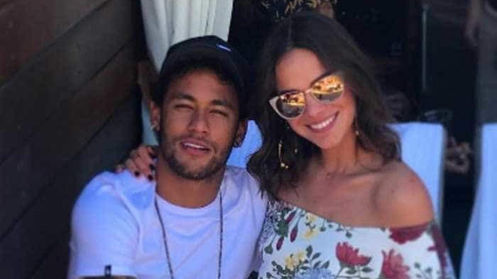 Neymar faz piada após boatos de que família não apoia volta com Bruna