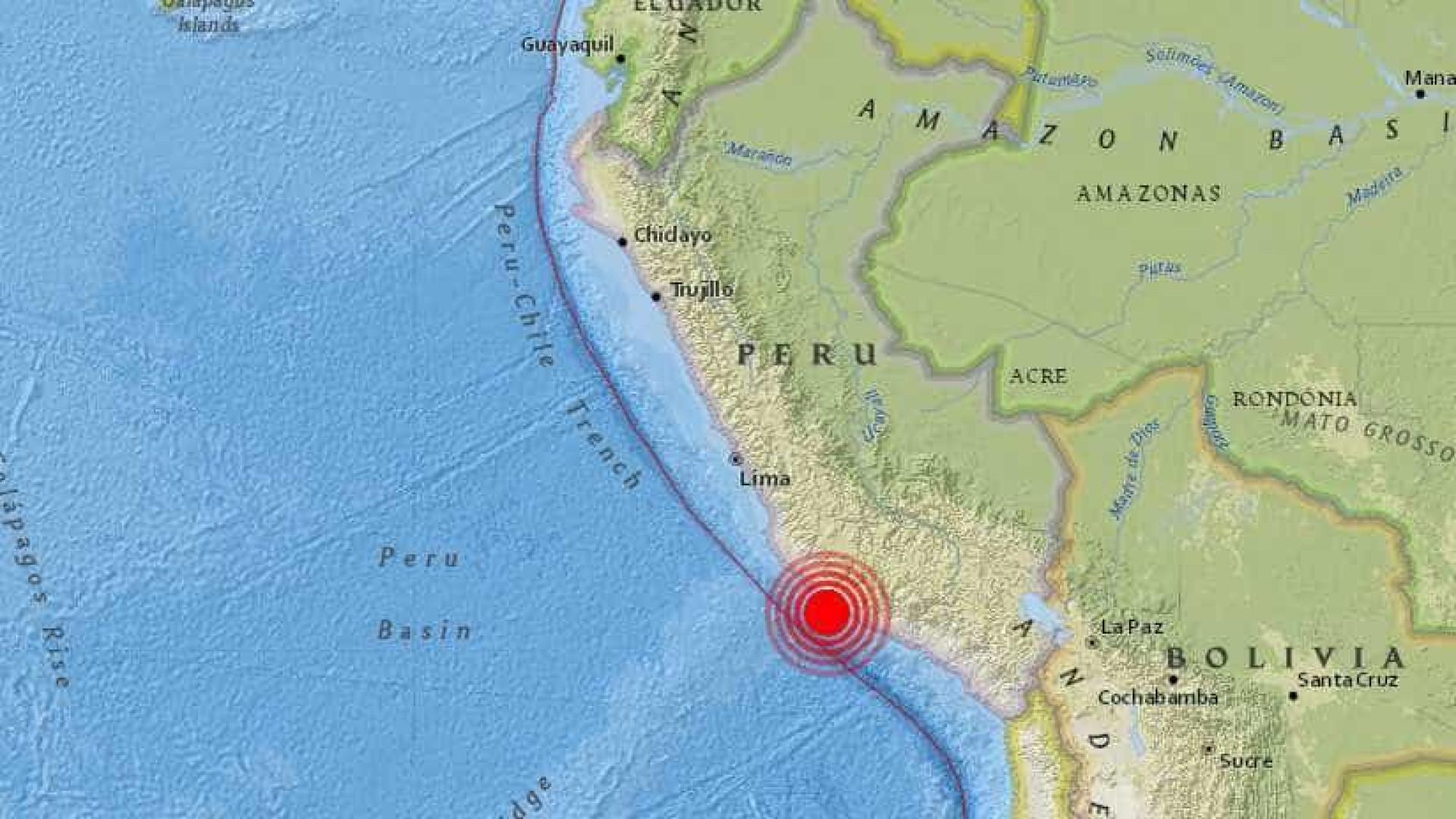 Forte terremoto atinge o Peru