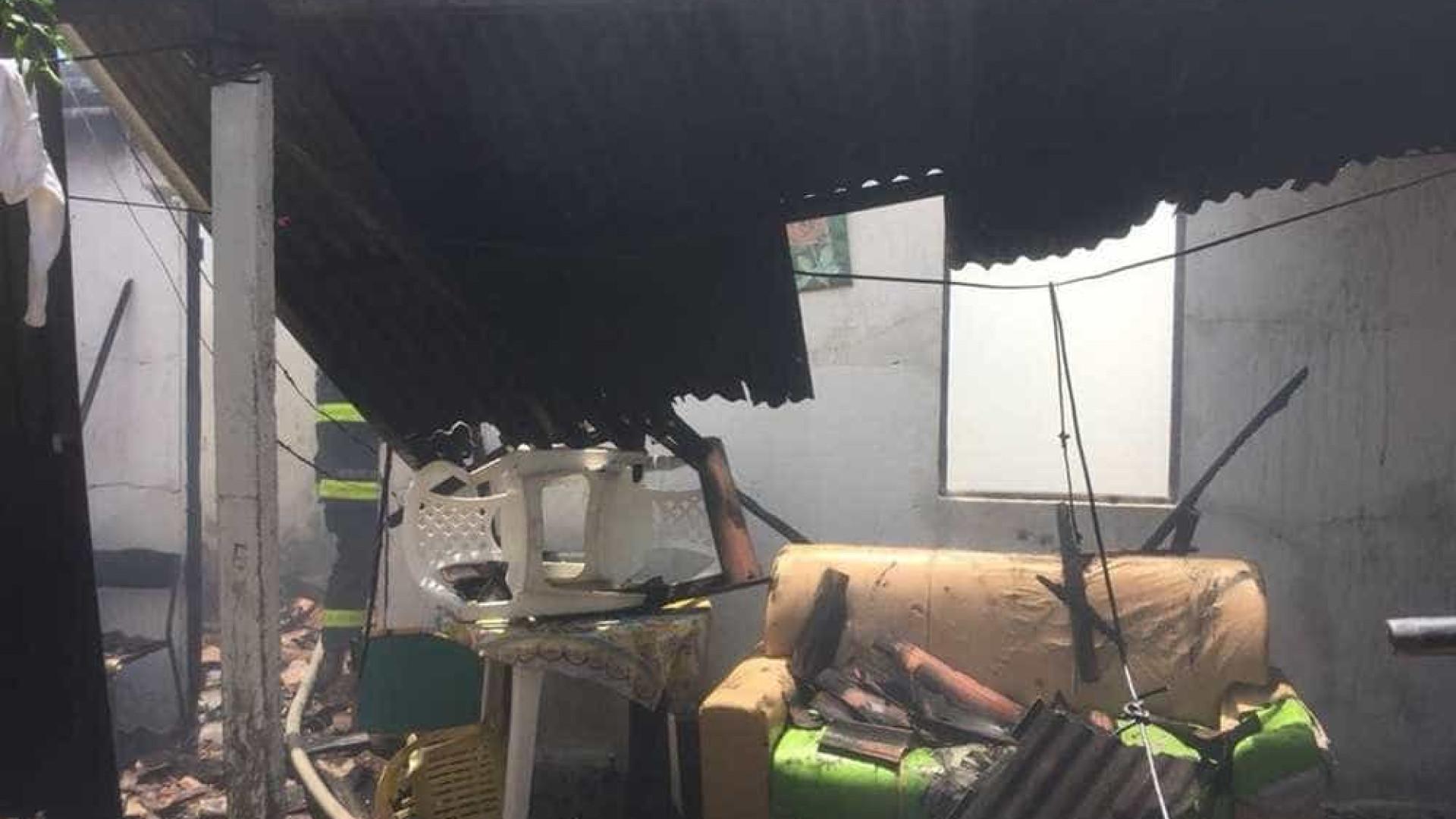 Incêndio atinge residência no Grande Recife