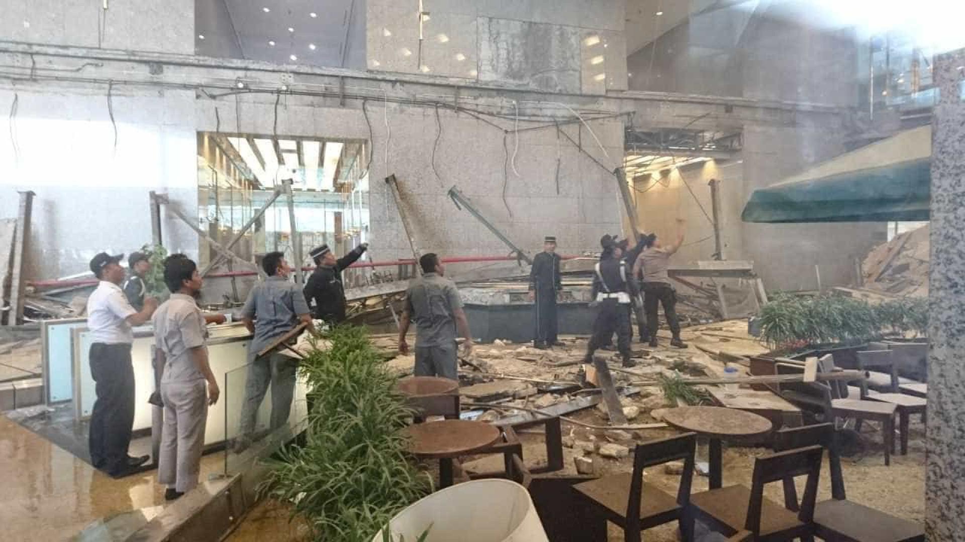Desmoronamento na bolsa de Jacarta provoca 72 feridos