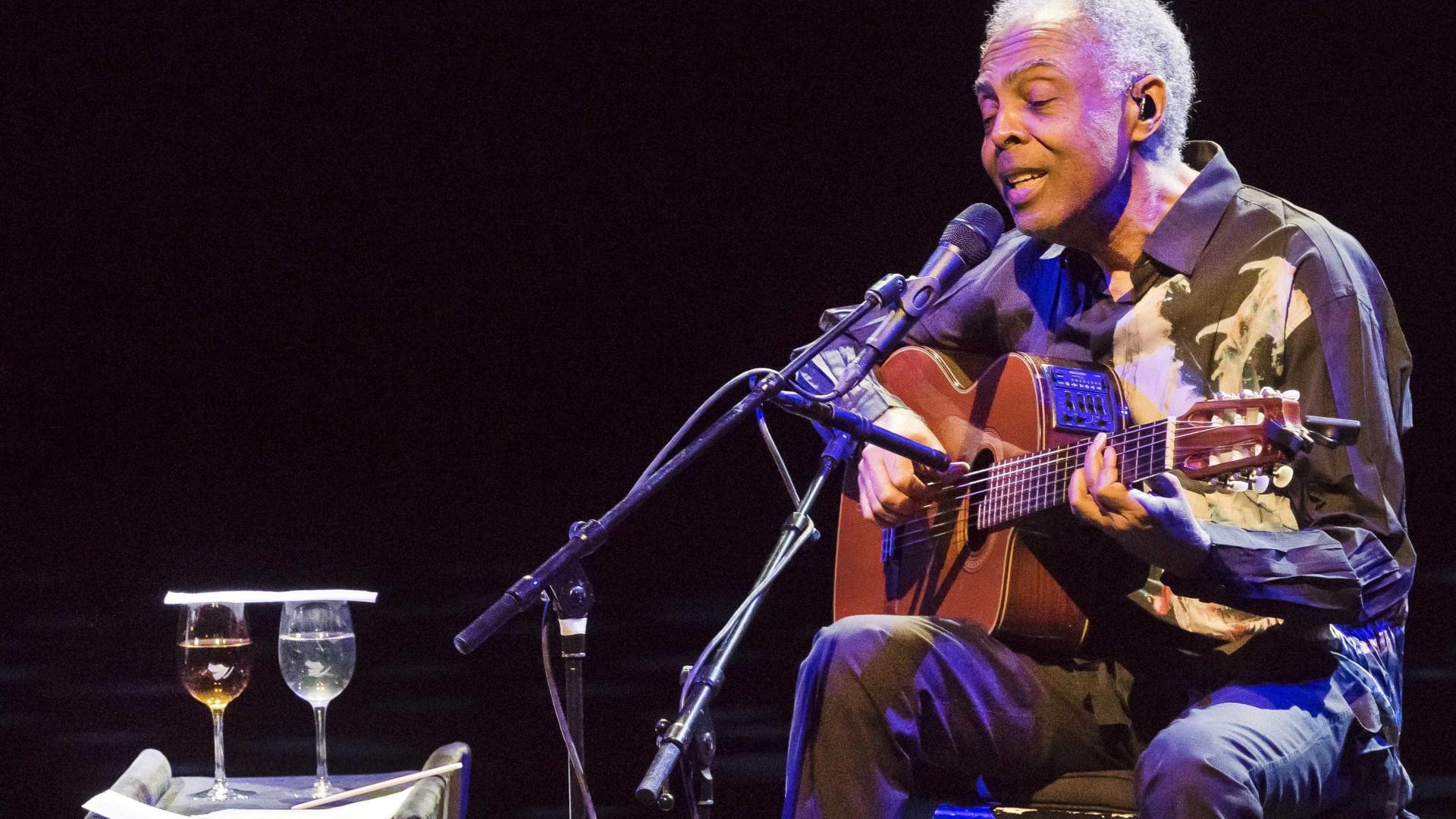 Gilberto Gil faz show de graça no feriado em São Paulo
