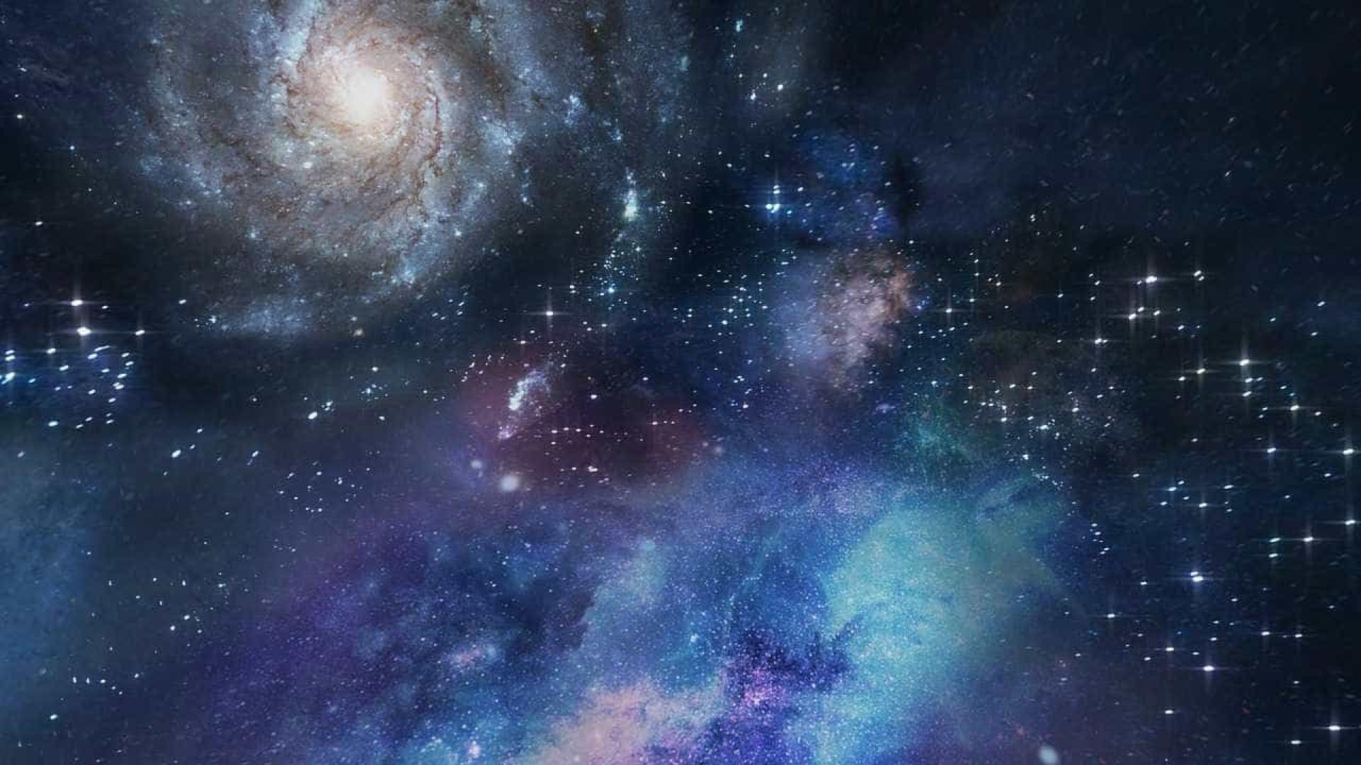 Nosso Universo é como pequeno vilarejo, diz astrofísico