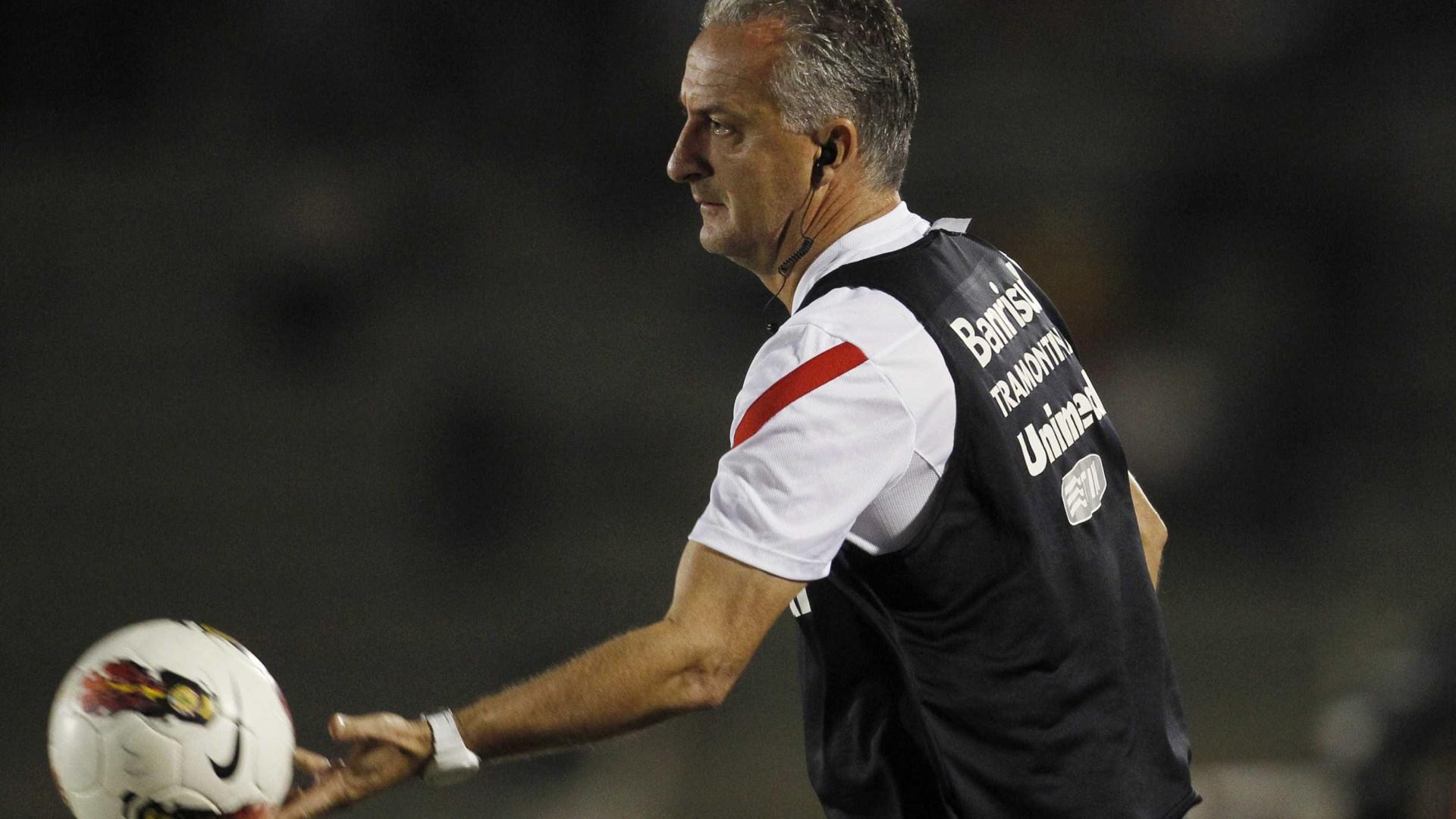 Dorival Junior avisa que 'contratações são necessárias' no São Paulo