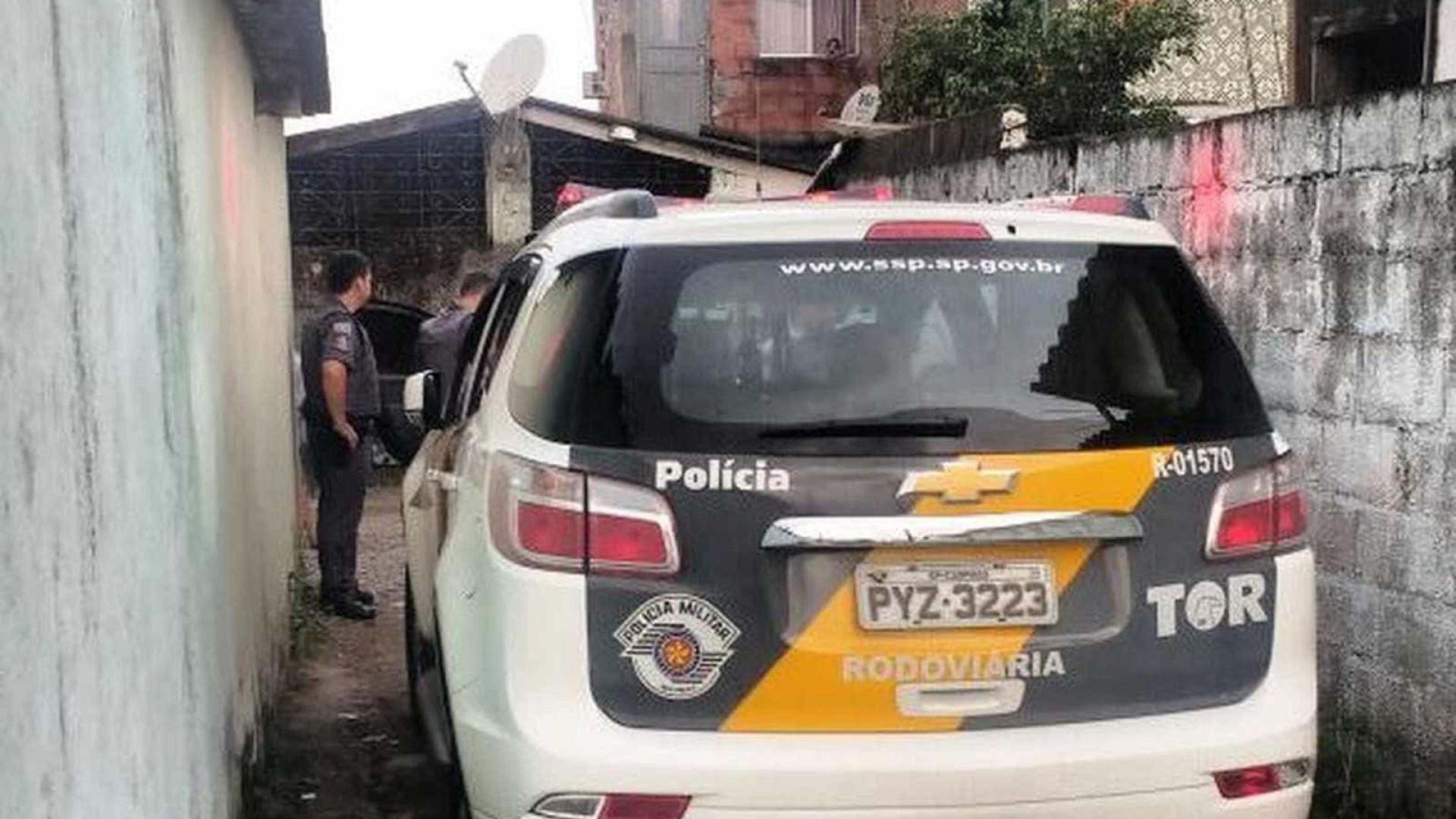 Dupla bate carro após trocar tiros com a polícia na Imigrantes