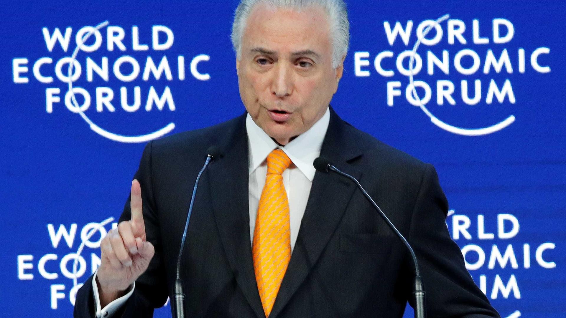 Debate sobre corrupção em campanha eleitoral é normal, diz Temer em Davos
