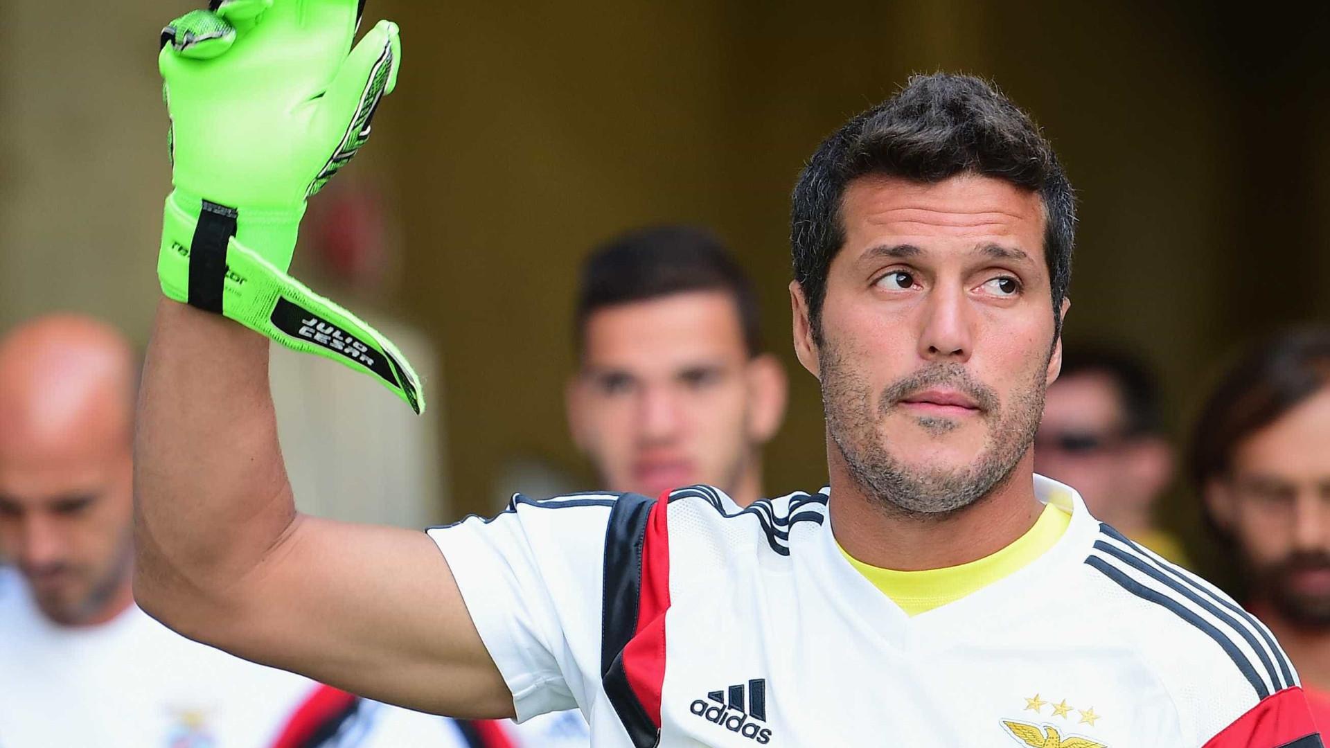 Júlio César chega ao Rio no próximo domingo para assinar com o Fla