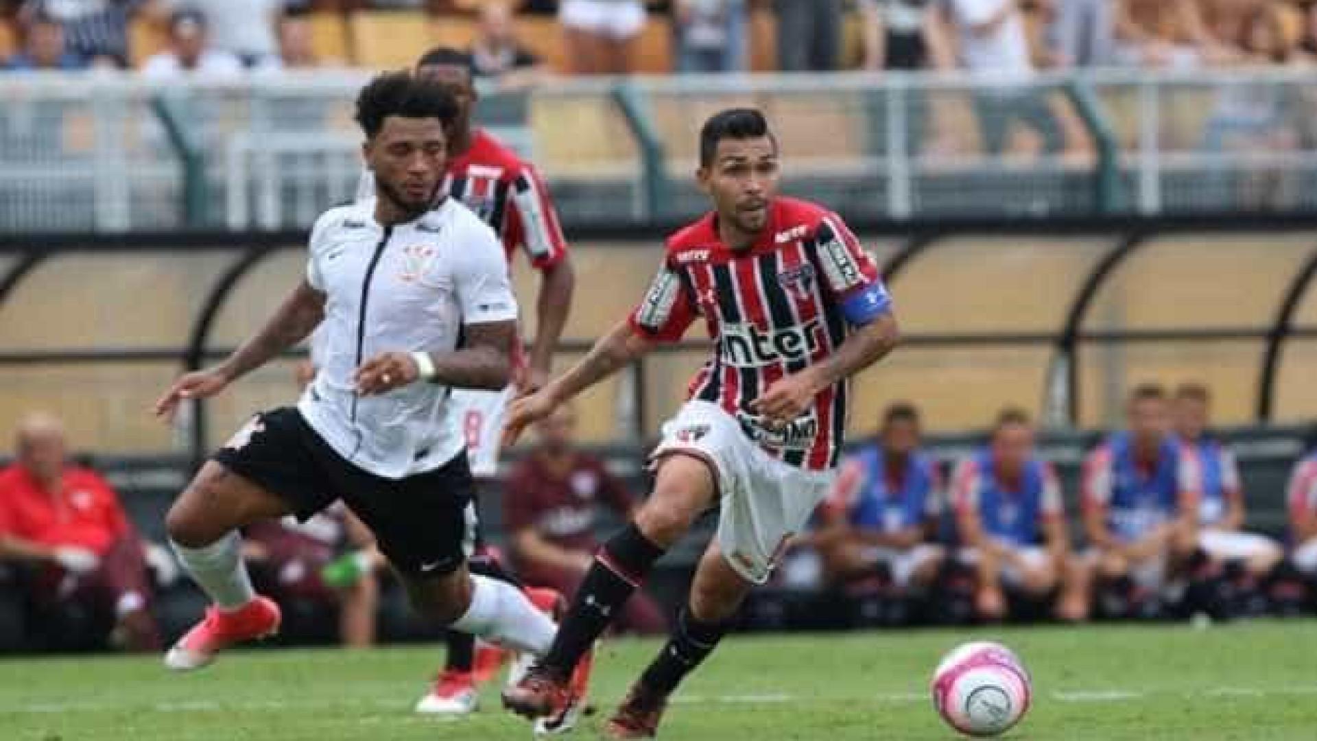 Corinthians vence clássico e mantém domínio sobre o São Paulo