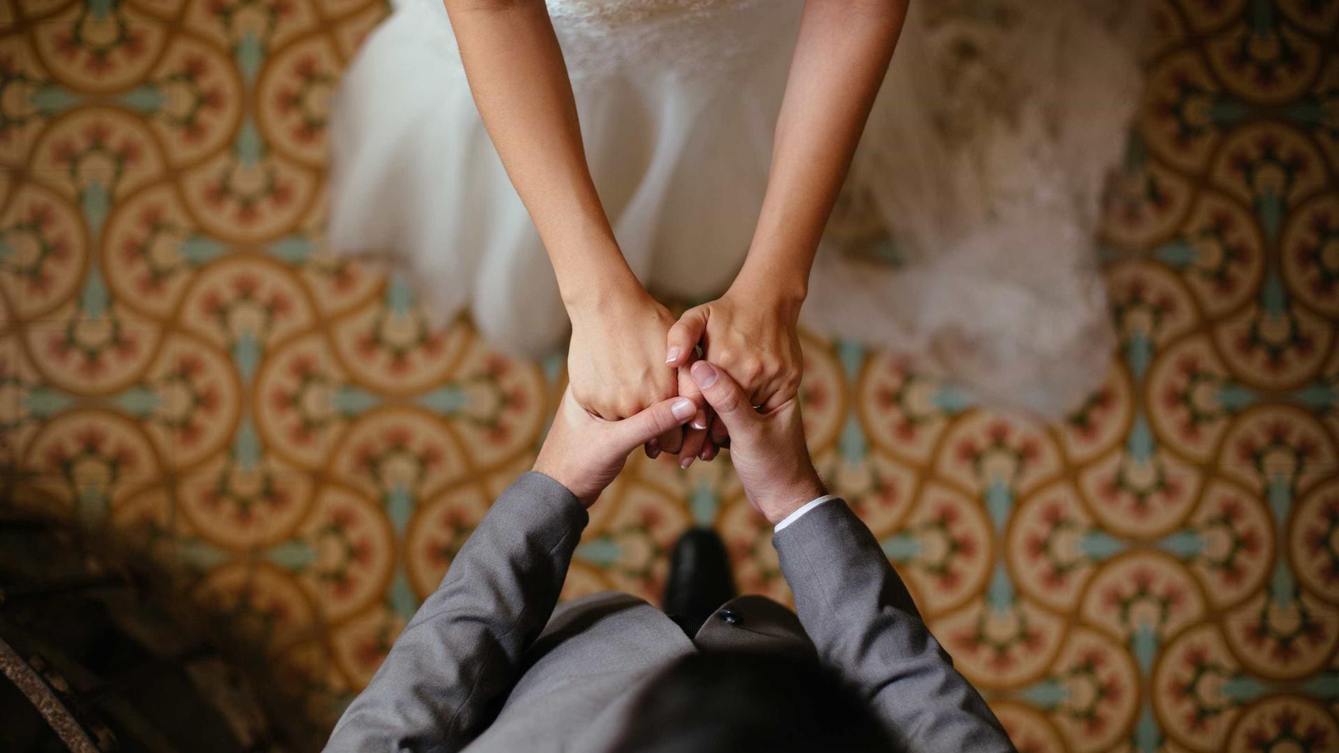 Casar faz bem ao coração, diz estudo inglês