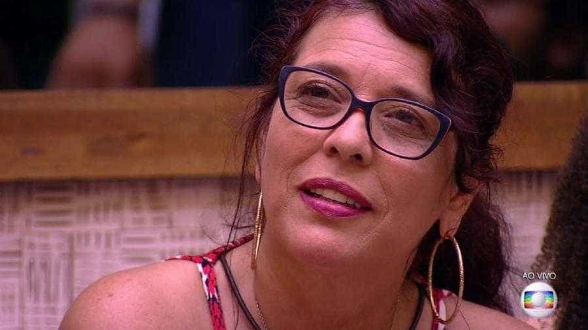 Mara é a 1ª eliminada do BBB18 e faz protesto ao vivo: 'Fora Temer'