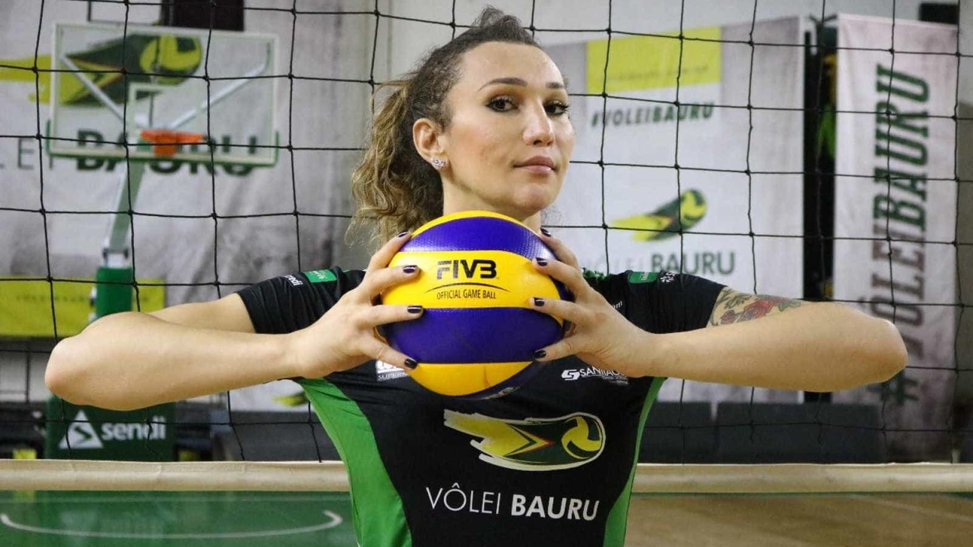 Primeira trans do vôlei brasileiro, Tiffany se filia a partido de Temer