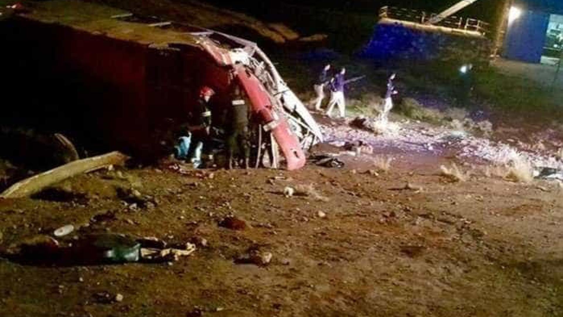 Acidente de ônibus mata três jogadores de escolinha do Colo-Colo