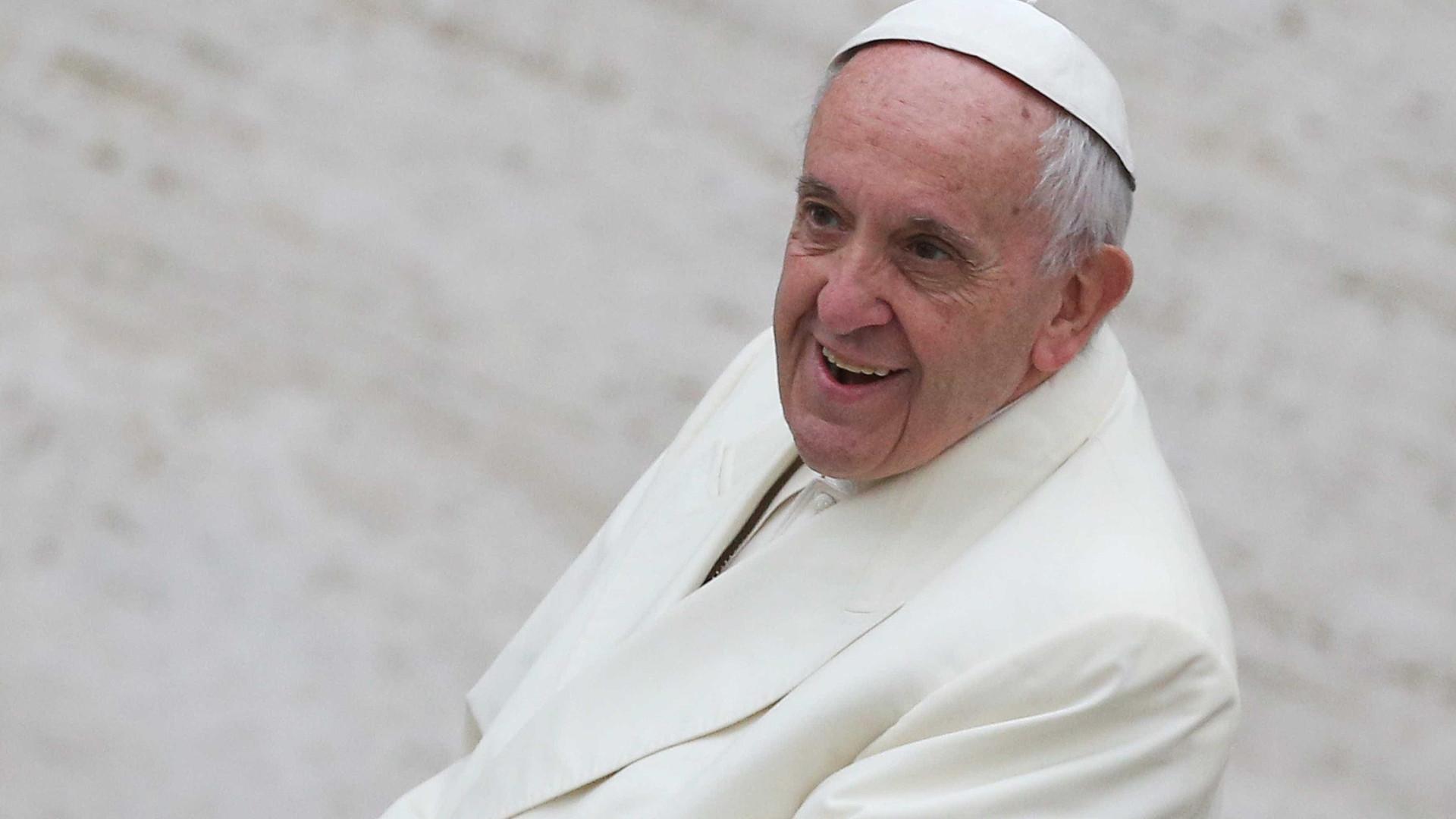 Cardeal condena críticas ao Papa: 'Coroa de espinhos'