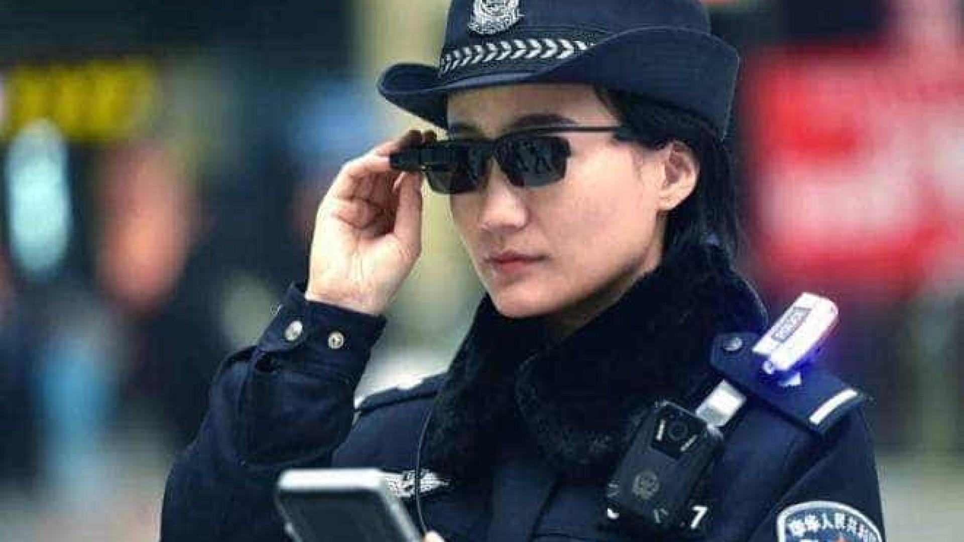 Polícia chinesa adota óculos com reconhecimento facial