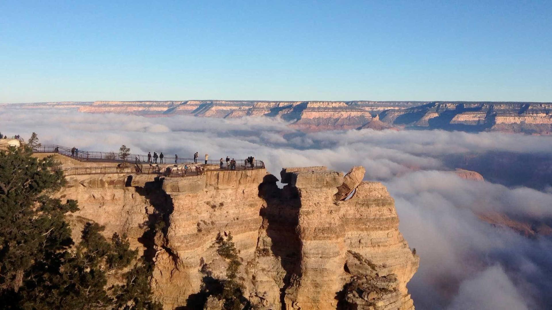 Helicóptero cai e pelo menos três pessoas morrem no Grand Canyon