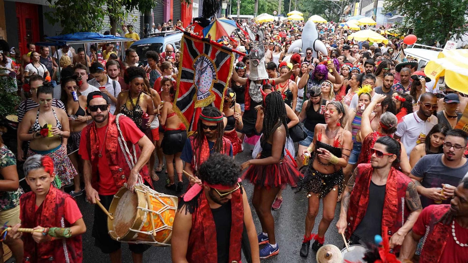 Carnaval: 37 blocos desfilam hoje pelas ruas de São Paulo