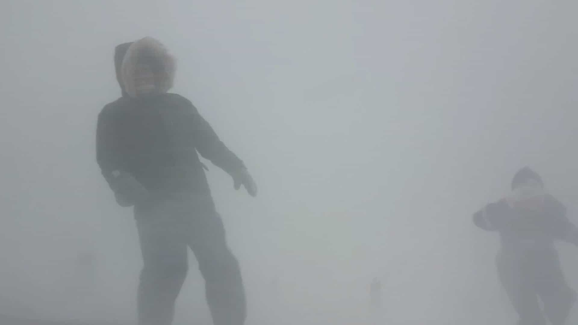 Forte tempestade de neve é filmada na Islândia