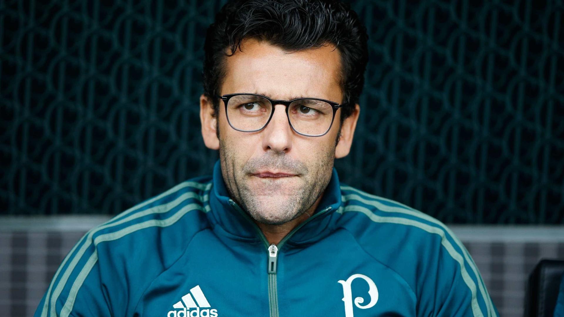 Botafogo apresenta novo treinador