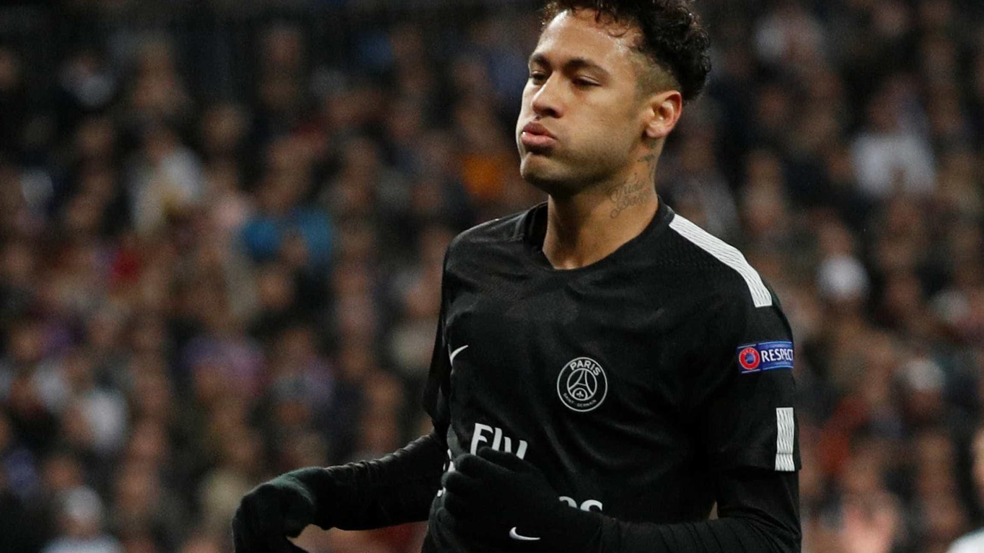 Pais de Neymar são acusados de sonegar impostos; eles negam