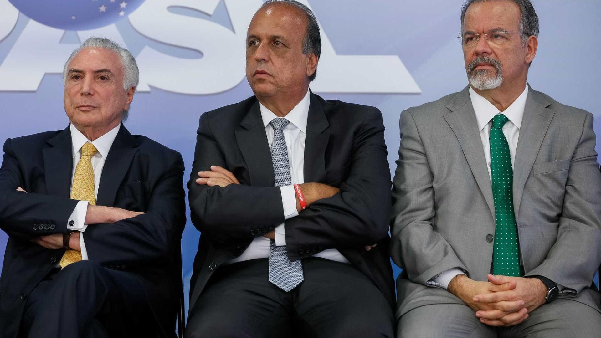 Temer apresenta general a autoridades cariocas
