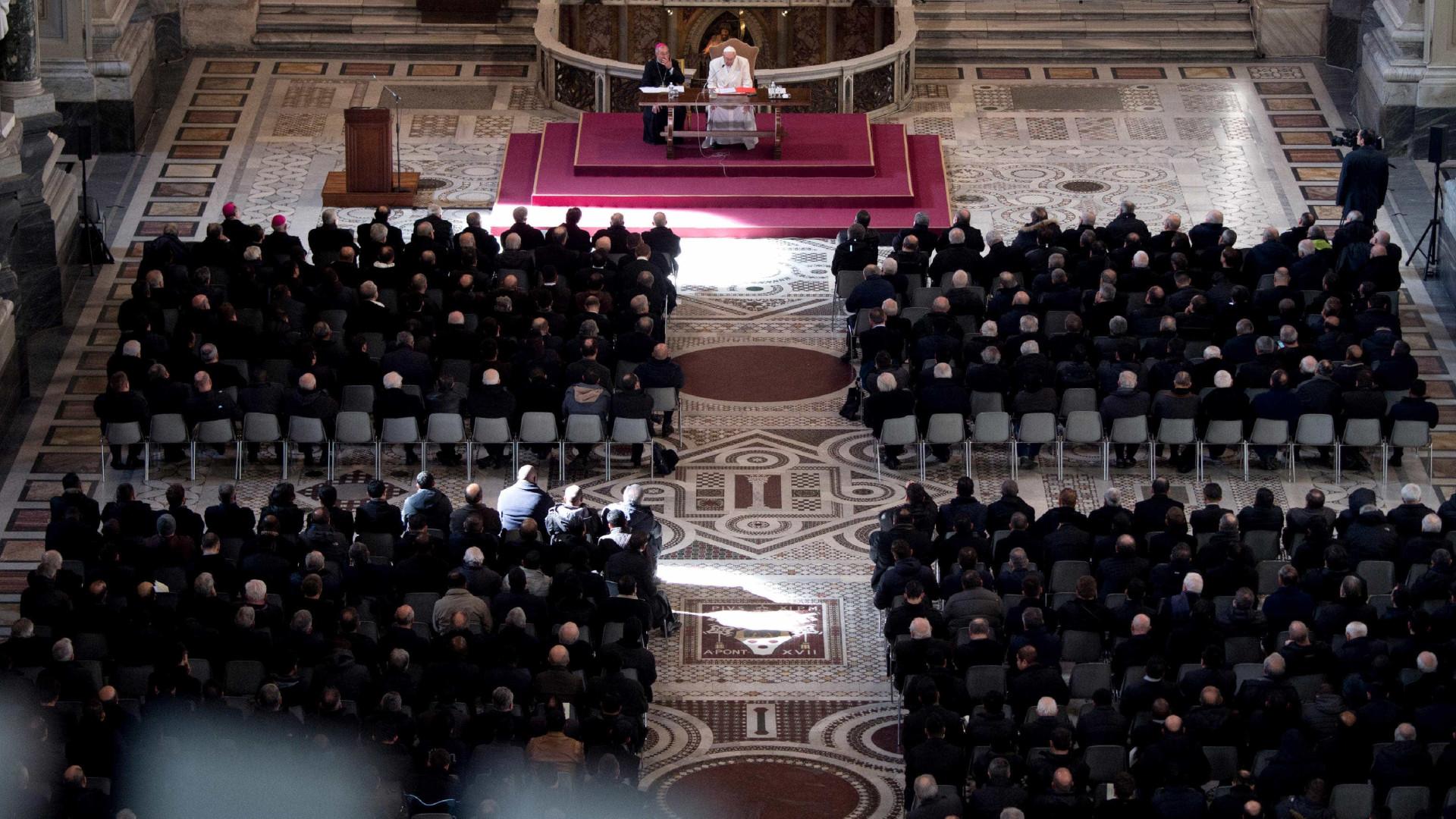 Papa nomeia brasileiro para comissão antipedofilia