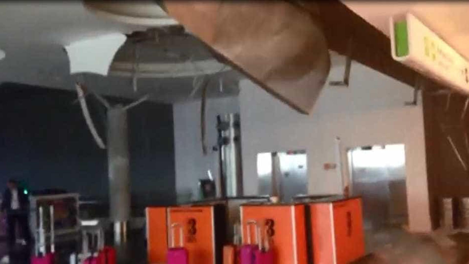 Parte do teto do Aeroporto de Brasília desaba por causa da chuva
