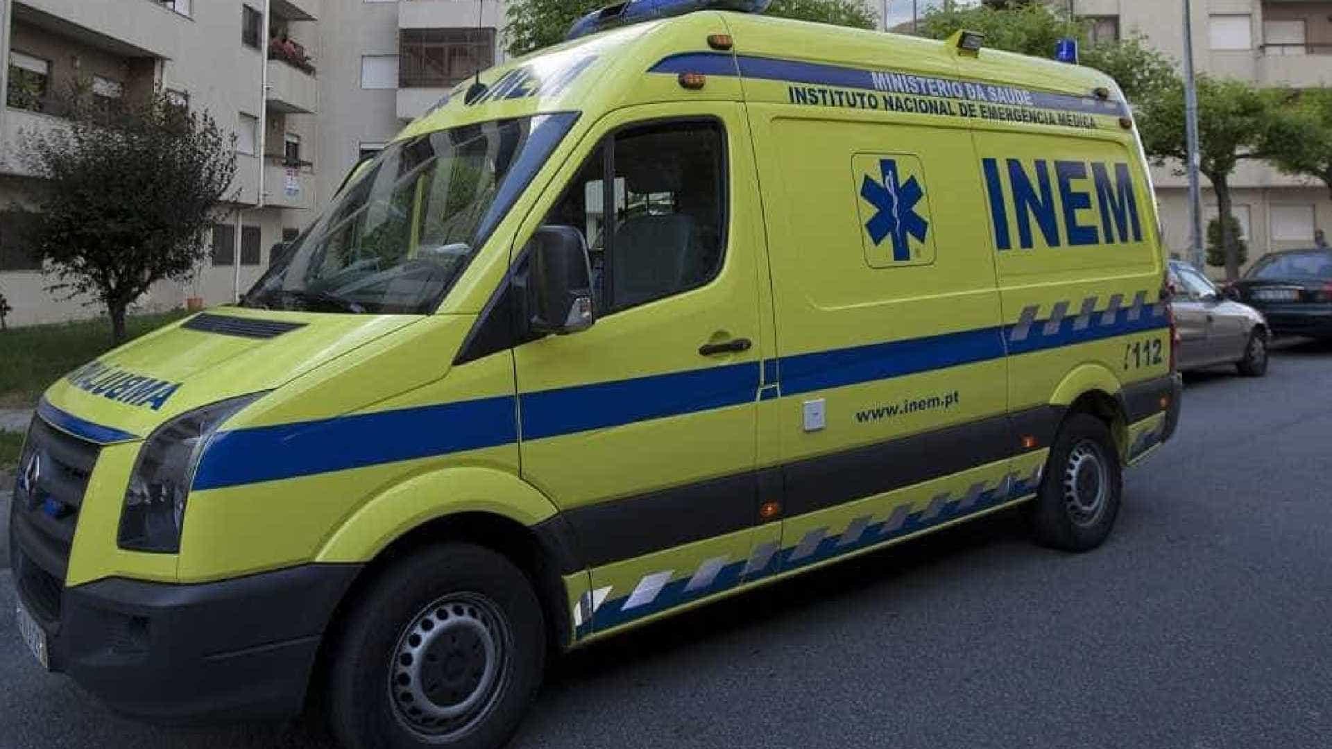 Três jovens esfaqueados perto de escola em Lisboa