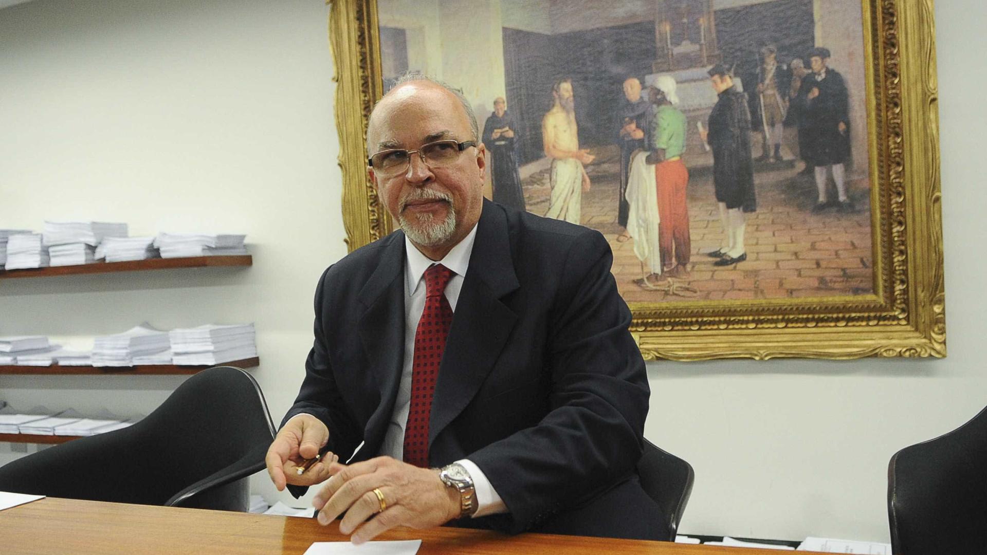 Acusado de corrupção passiva, ex-ministro Mário Negromonte vira réu