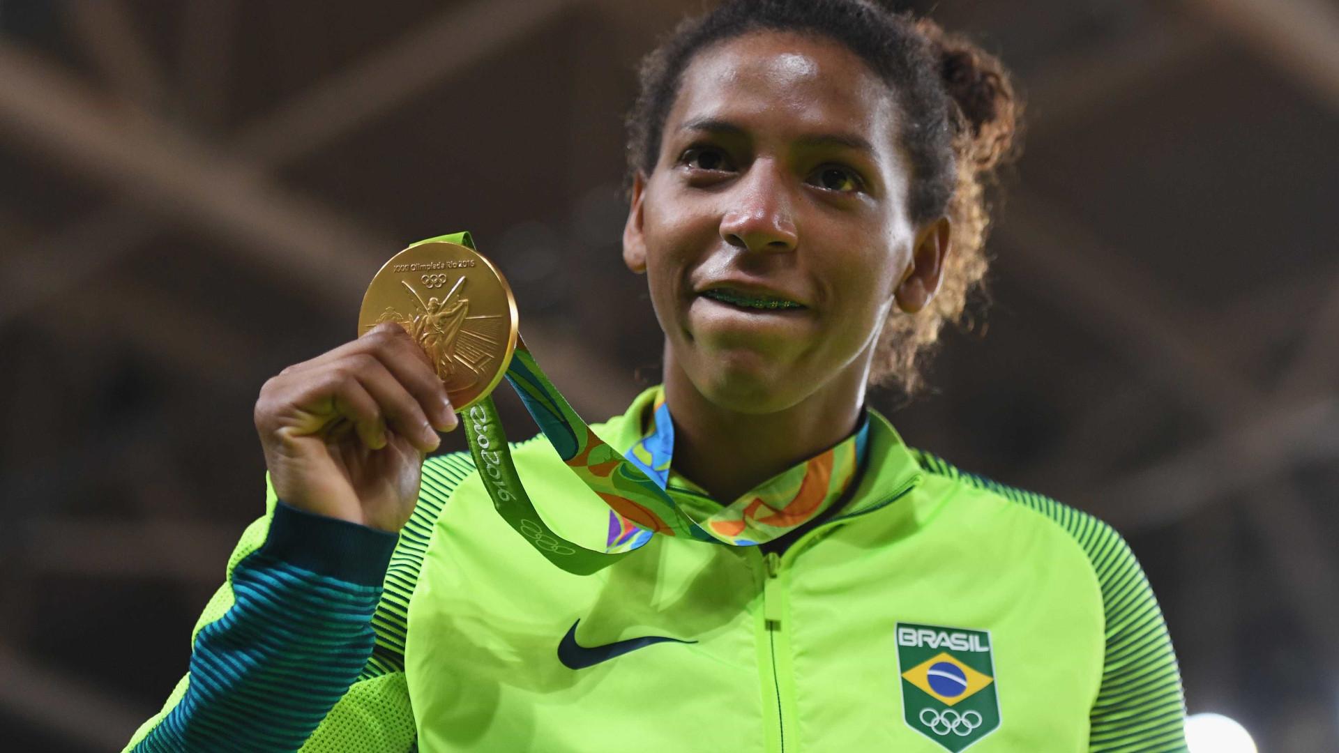Medalha de ouro na Rio 2016, Rafaela Silva é vítima de racismo de PMs