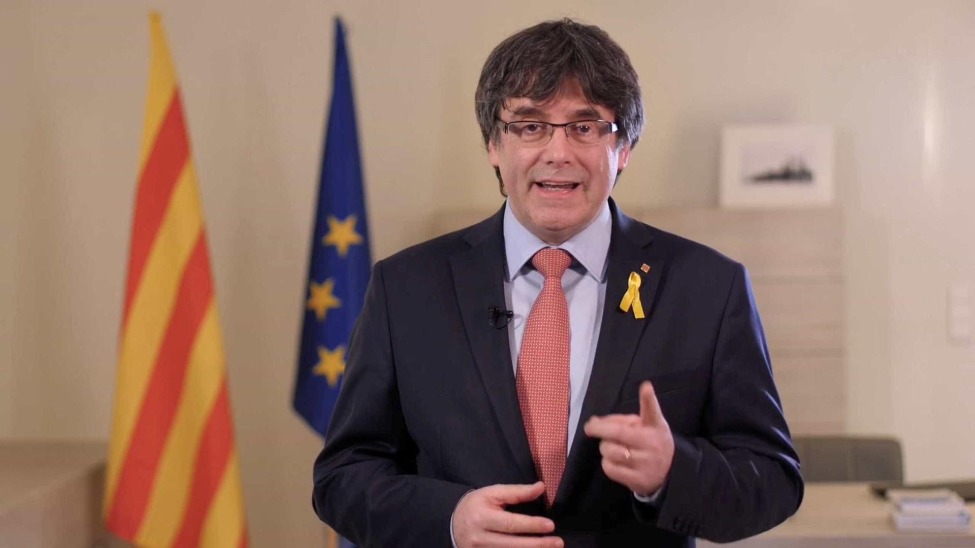 Puigdemont desiste de recuperar governo — Catalunha