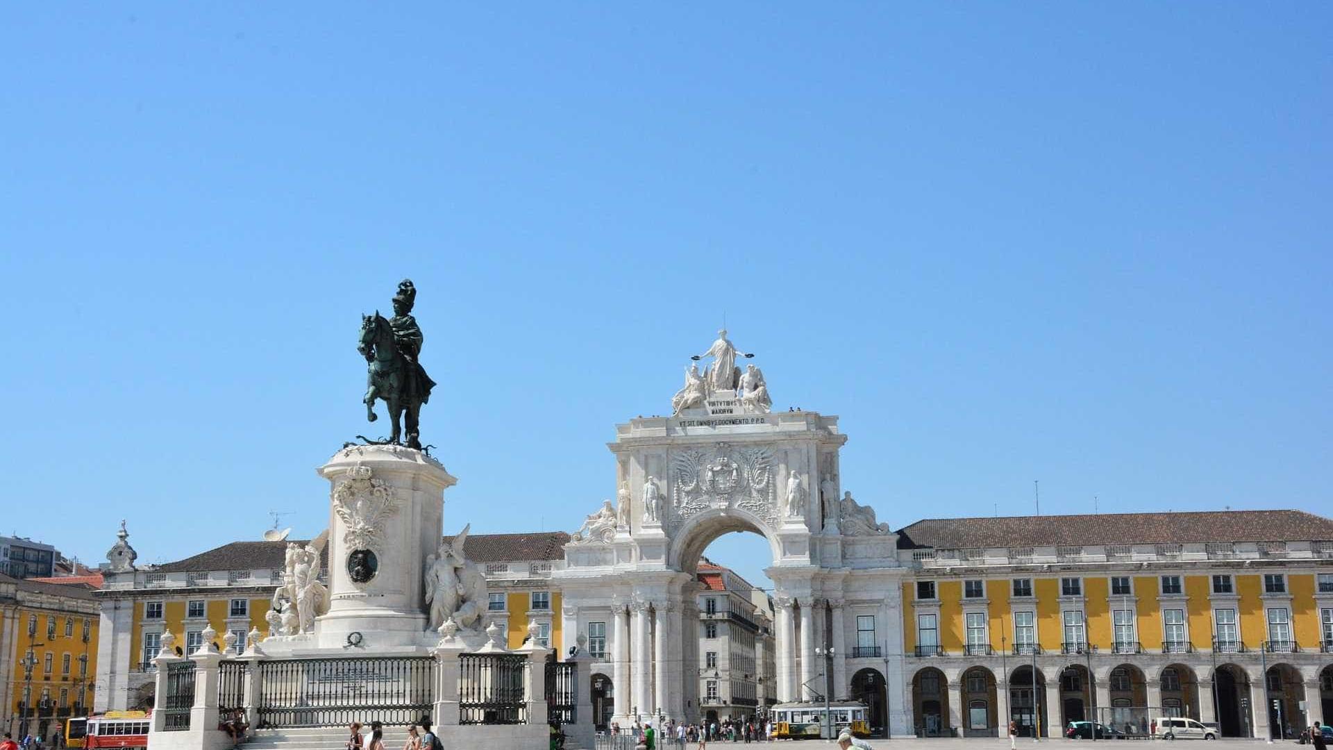 Uma nova vida em Portugal, com dinheiro do Brasil