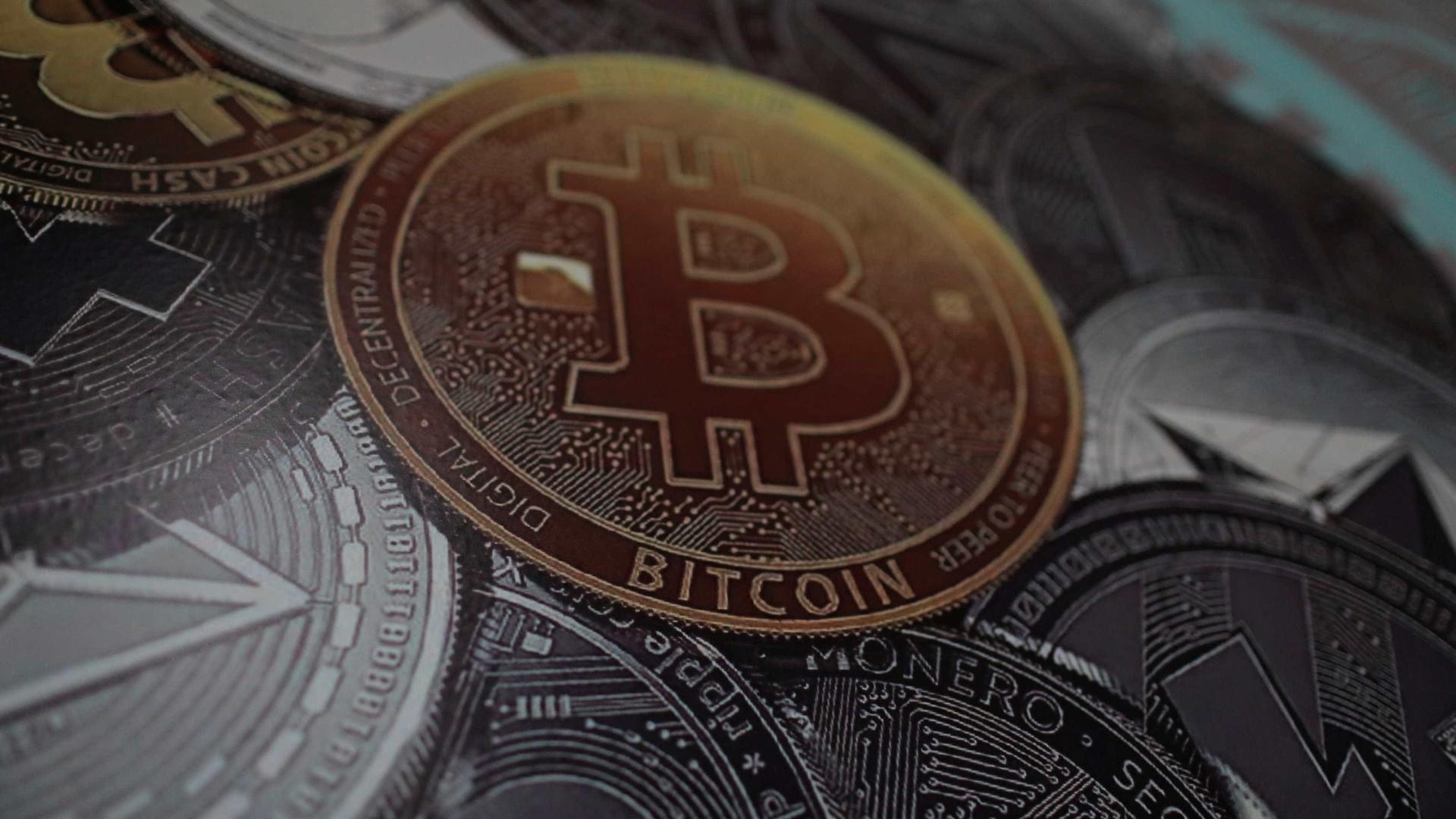 Analistas preveem queda drástica do bitcoin