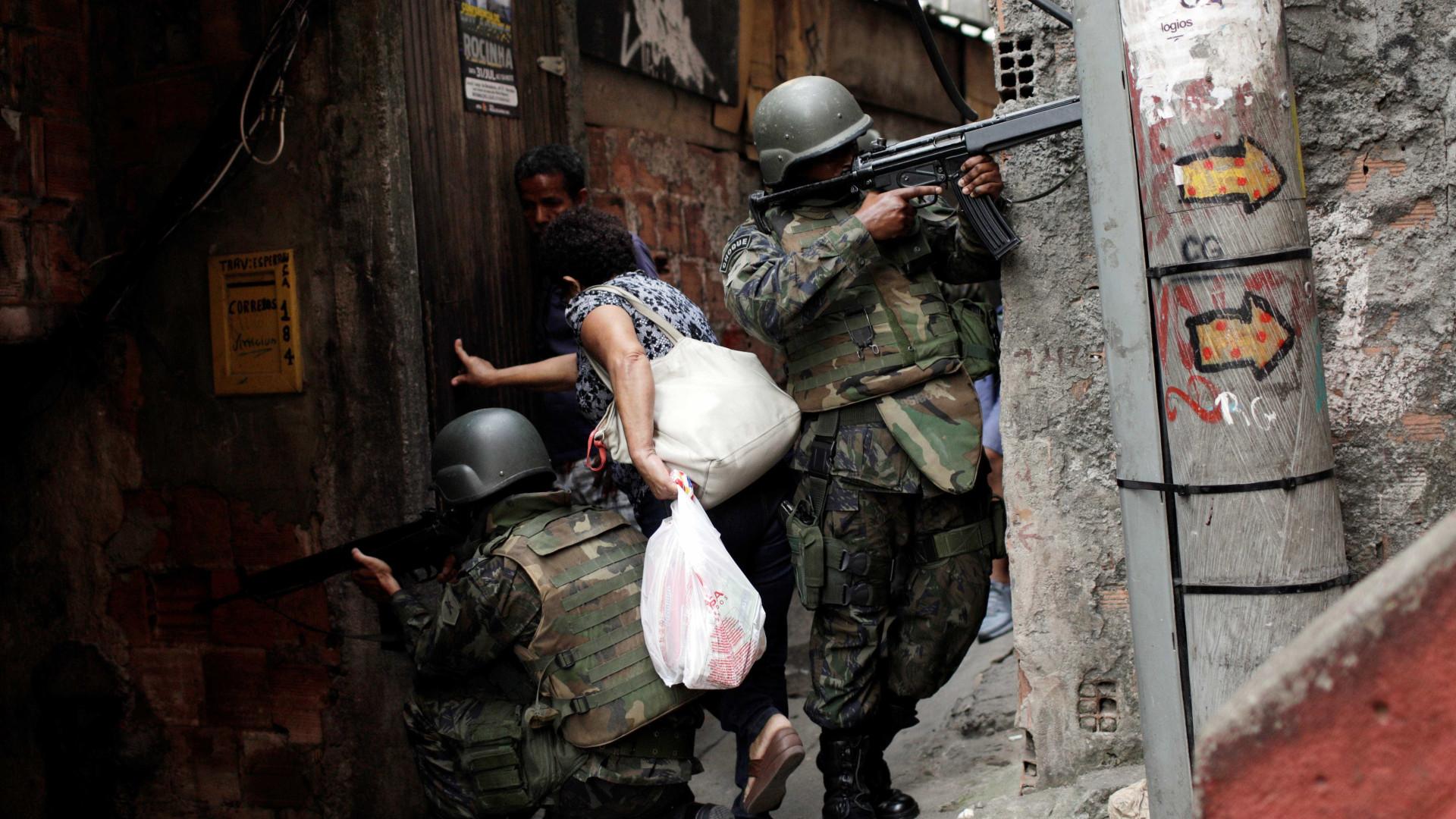 Forças Armadas fazem operação na zona oeste do Rio