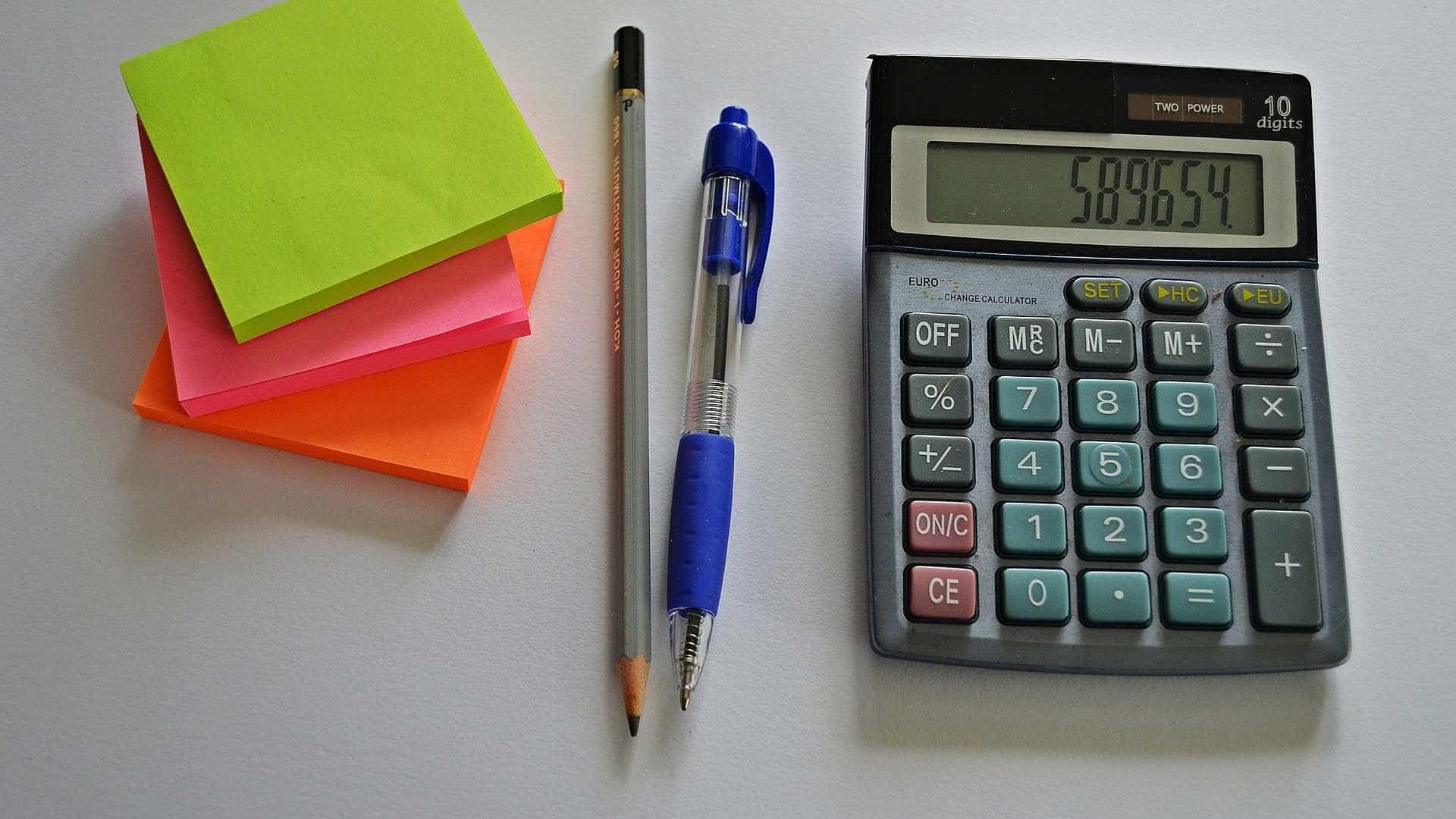 País deve seguir tendência global de cortar impostos, diz Guardia