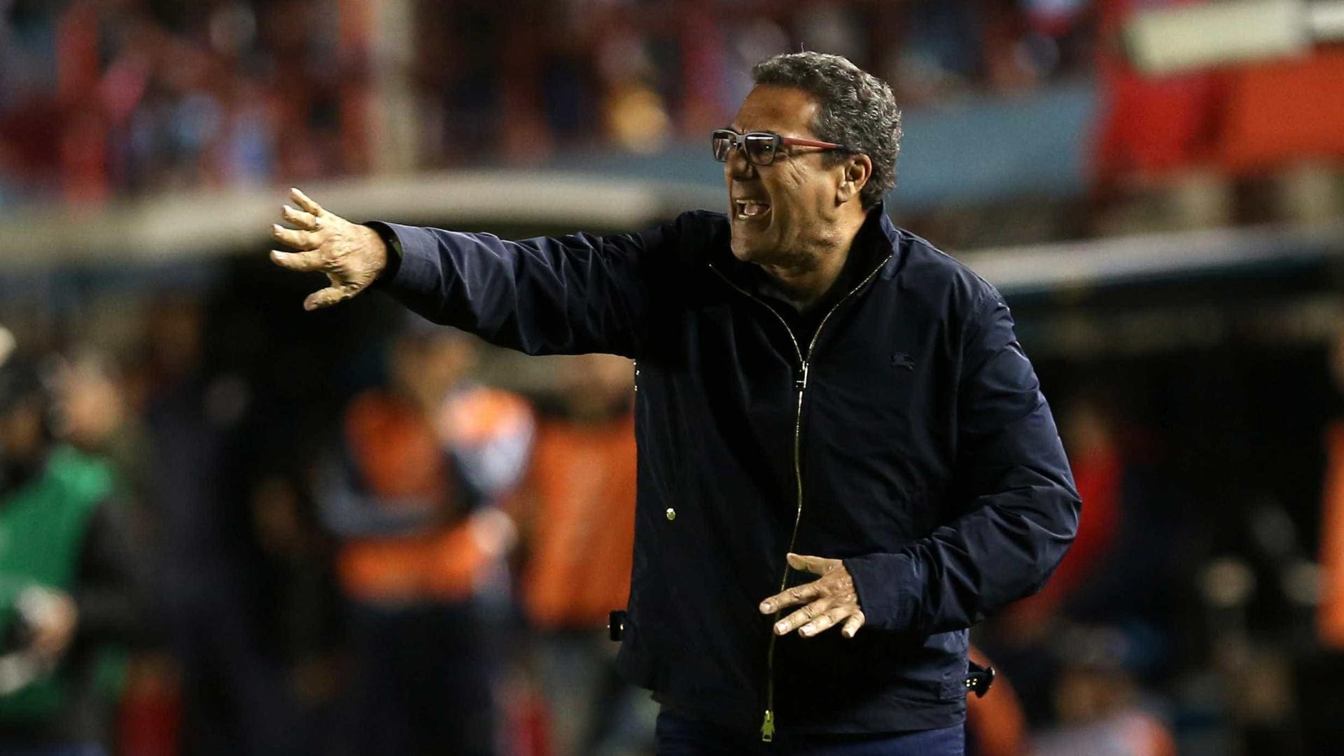 Palmeiras quer técnico experiente, mas Luxemburgo nega contato