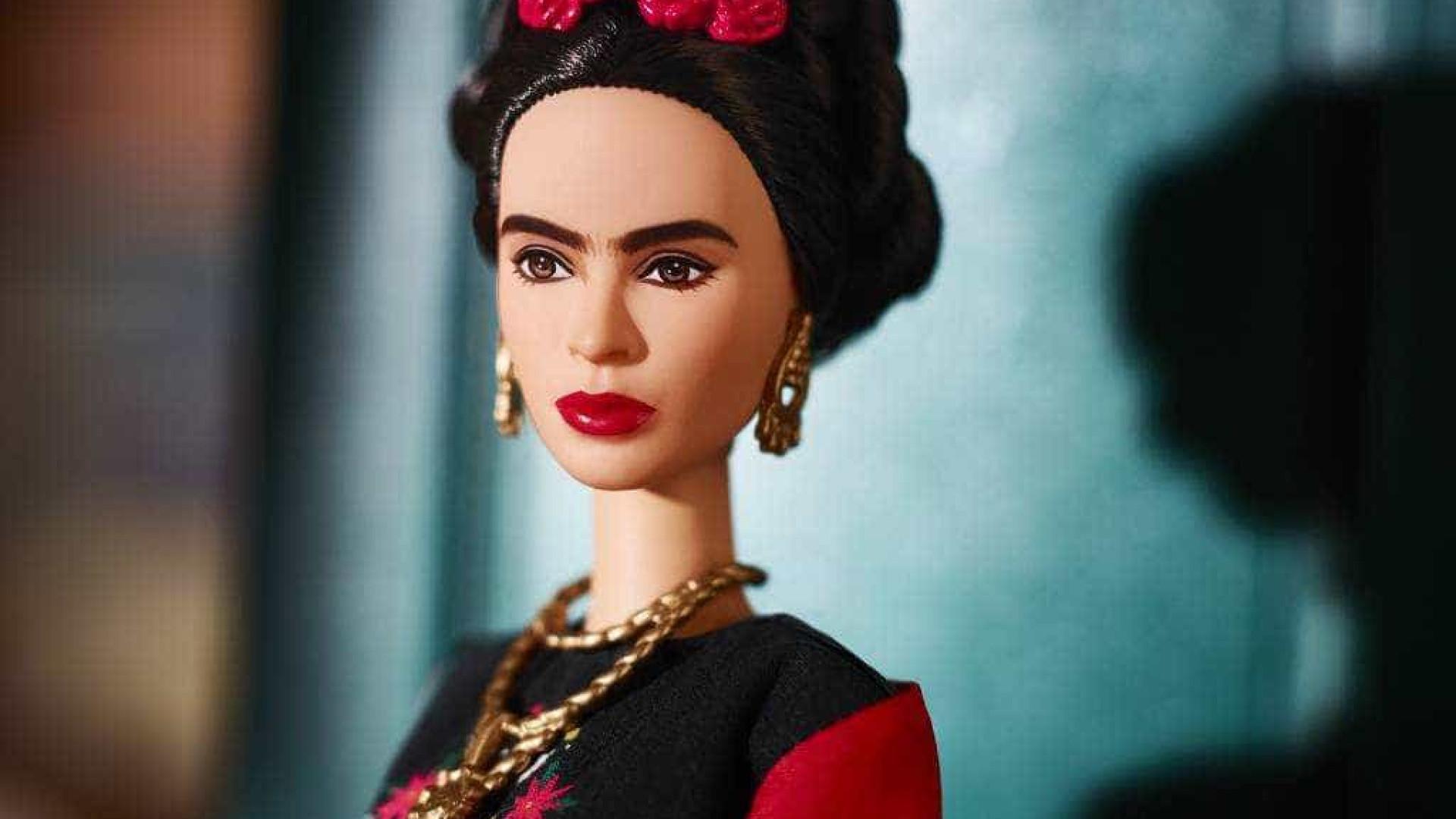 Família de Frida Kahlo briga por direitos de boneca Barbie