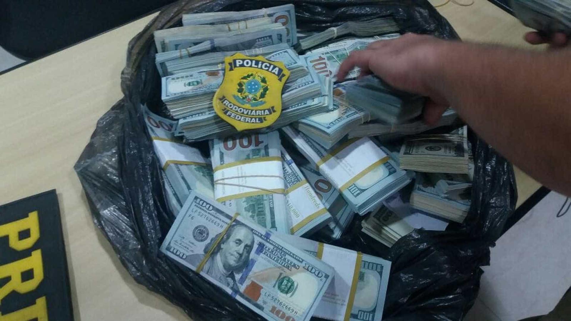 PolA�cia apreende US$ 440 mil com comerciante chinA?s na RA�gis, em SP