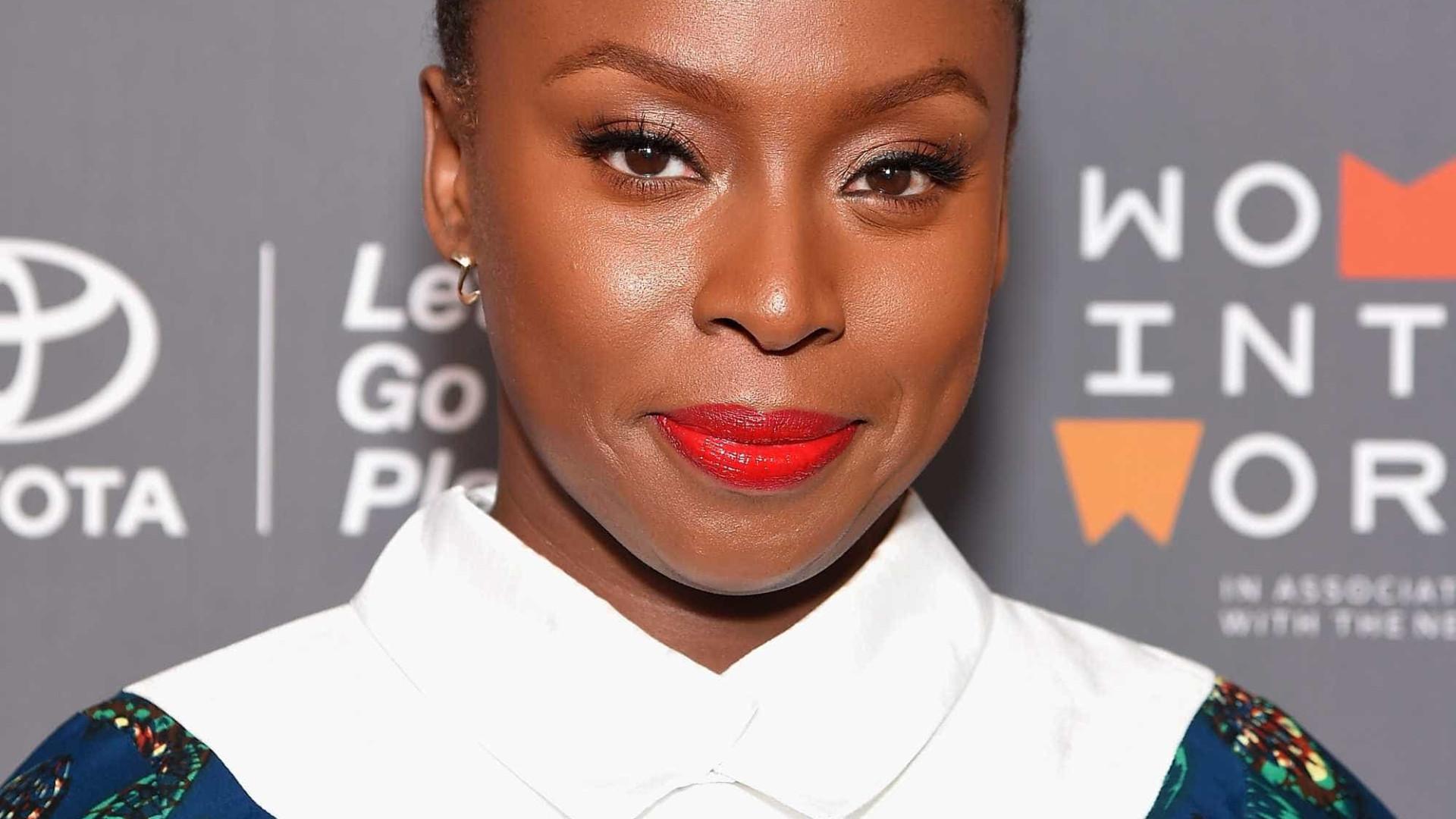 Chimamanda Ngozi Adichie vence o prêmio PEN Pinter