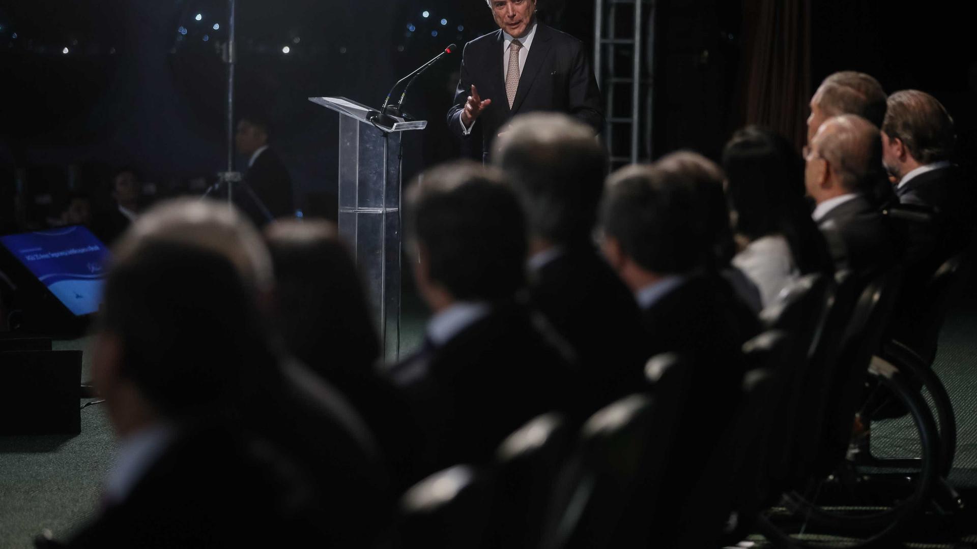 Temer convoca reunião com líderes para pedir apoio e defesa do governo