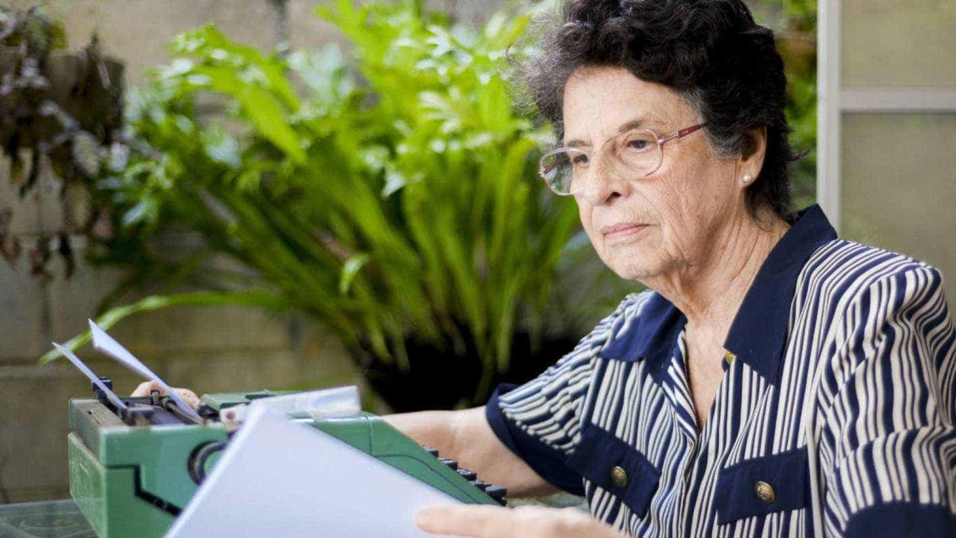 Vencedora do Jabuti, Maria Valéria Rezende lança livro de ficção