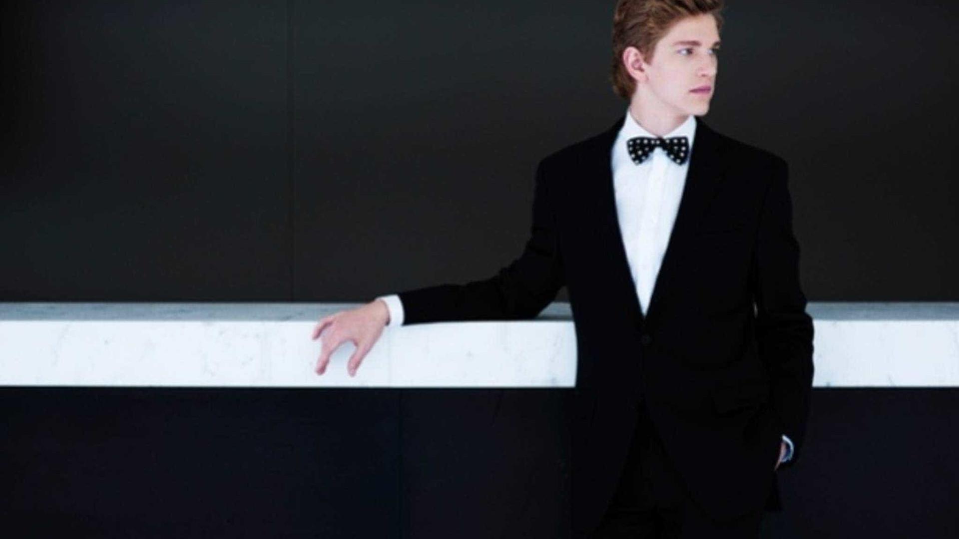 Em recital solo, pianistaJanLisiecki aborda dualidade da noite