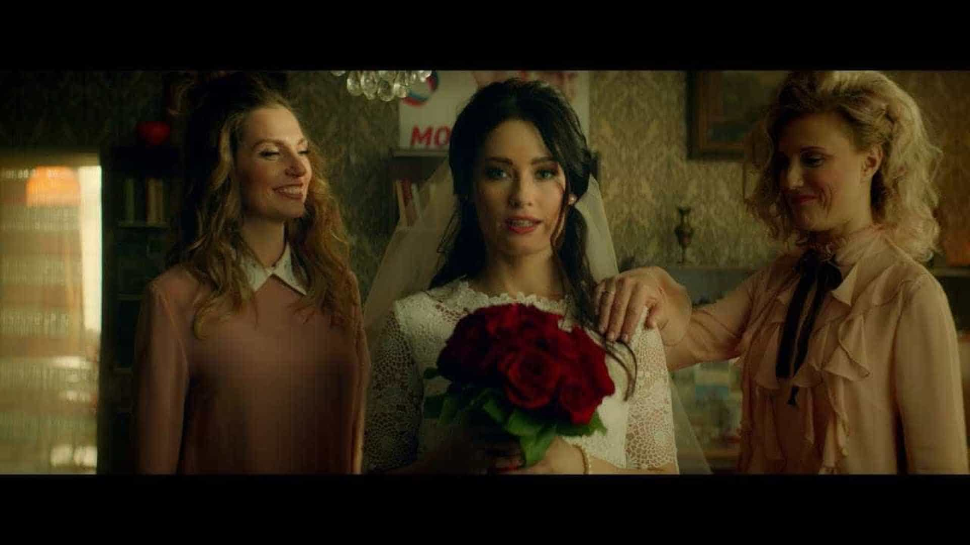 Putin vira noivo desejado em clipe sensual de grupo pop