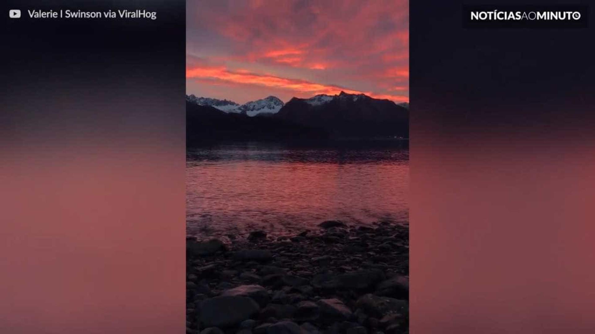 Vídeo mostra fantástico nascer do sol no Alasca