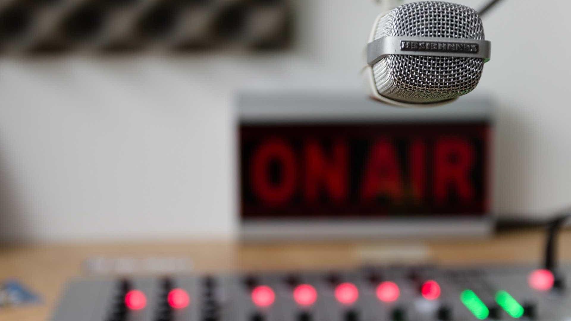 Câmara aprova flexibilização de horários da Voz do Brasil