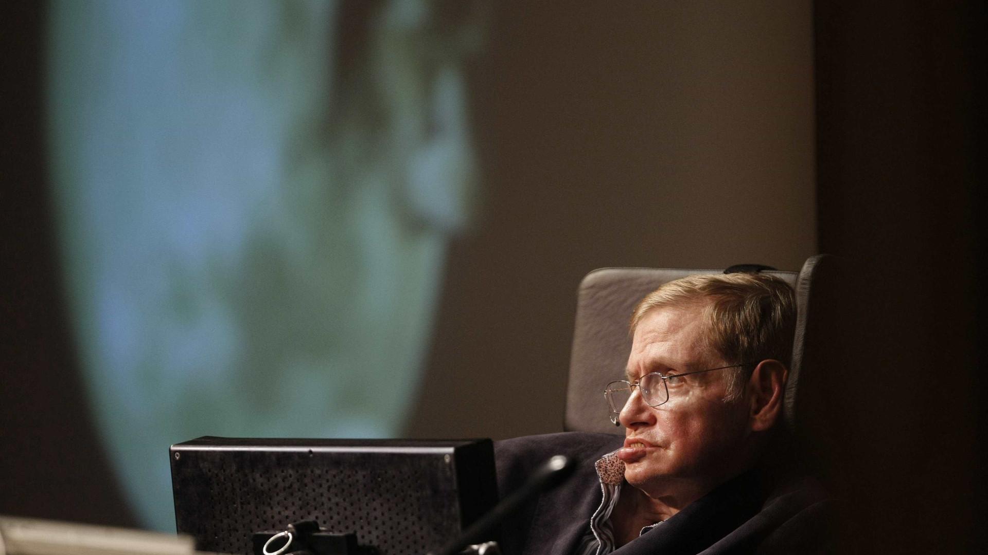 Morre o físico Stephen Hawking, aos 76 anos