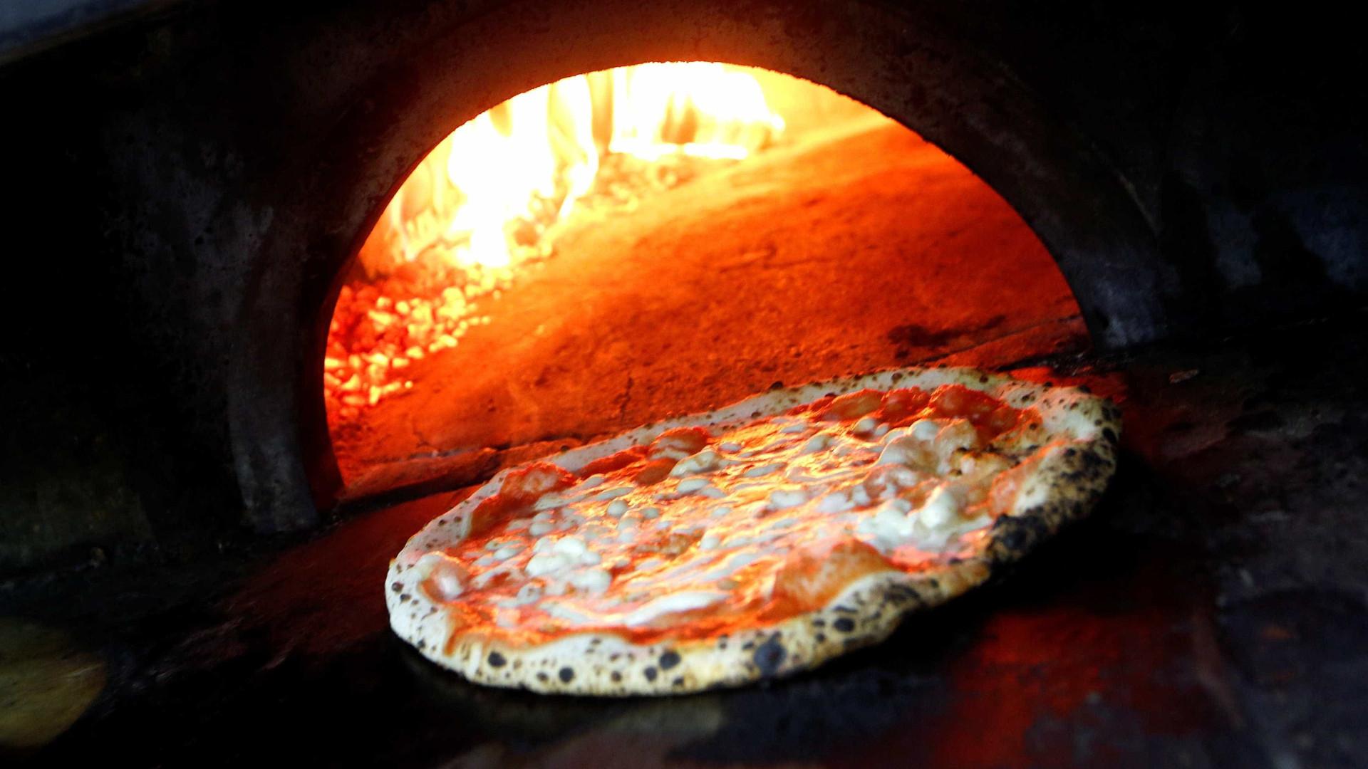 Chef com estrela Michelin 'ofende' italianos ao criar pizza saudável