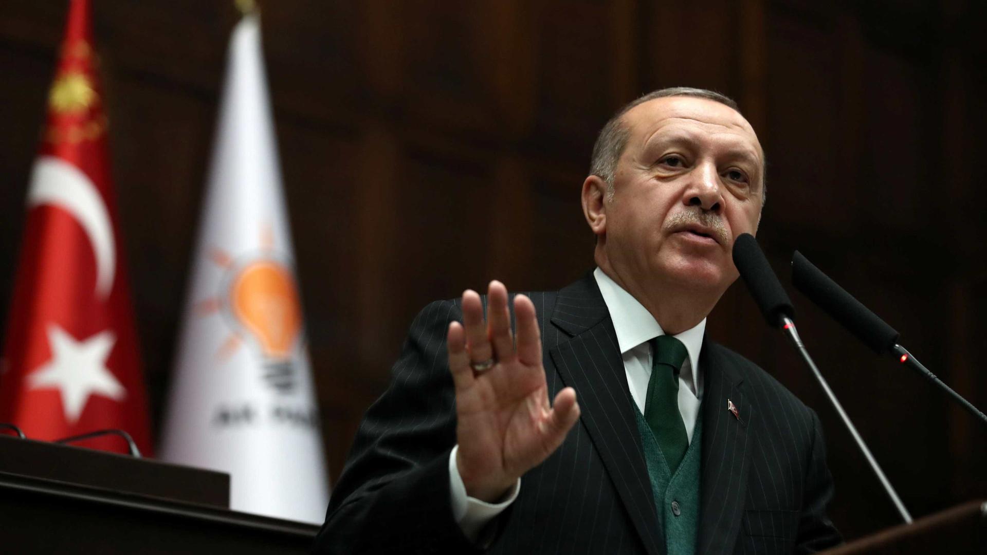Presidente turco quer 'cerco total' da cidade de Afrin ainda hoje