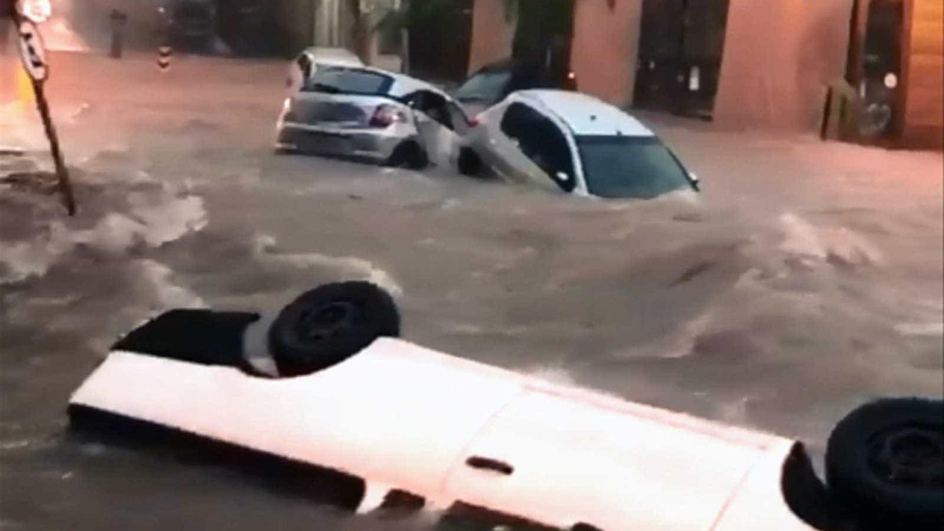 Após fortes chuvas, Belo Horizonte registra enchentes e desabamentos