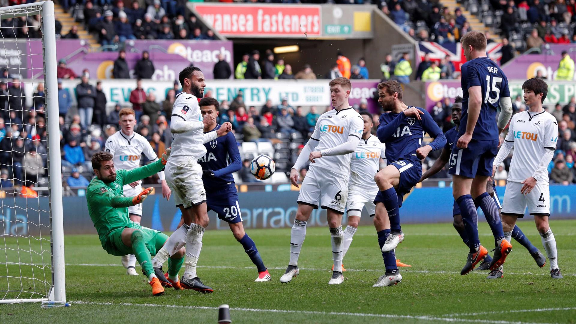 Swansea, de Carvalhal cai nos quartos de final perante o Tottenham — Inglaterra